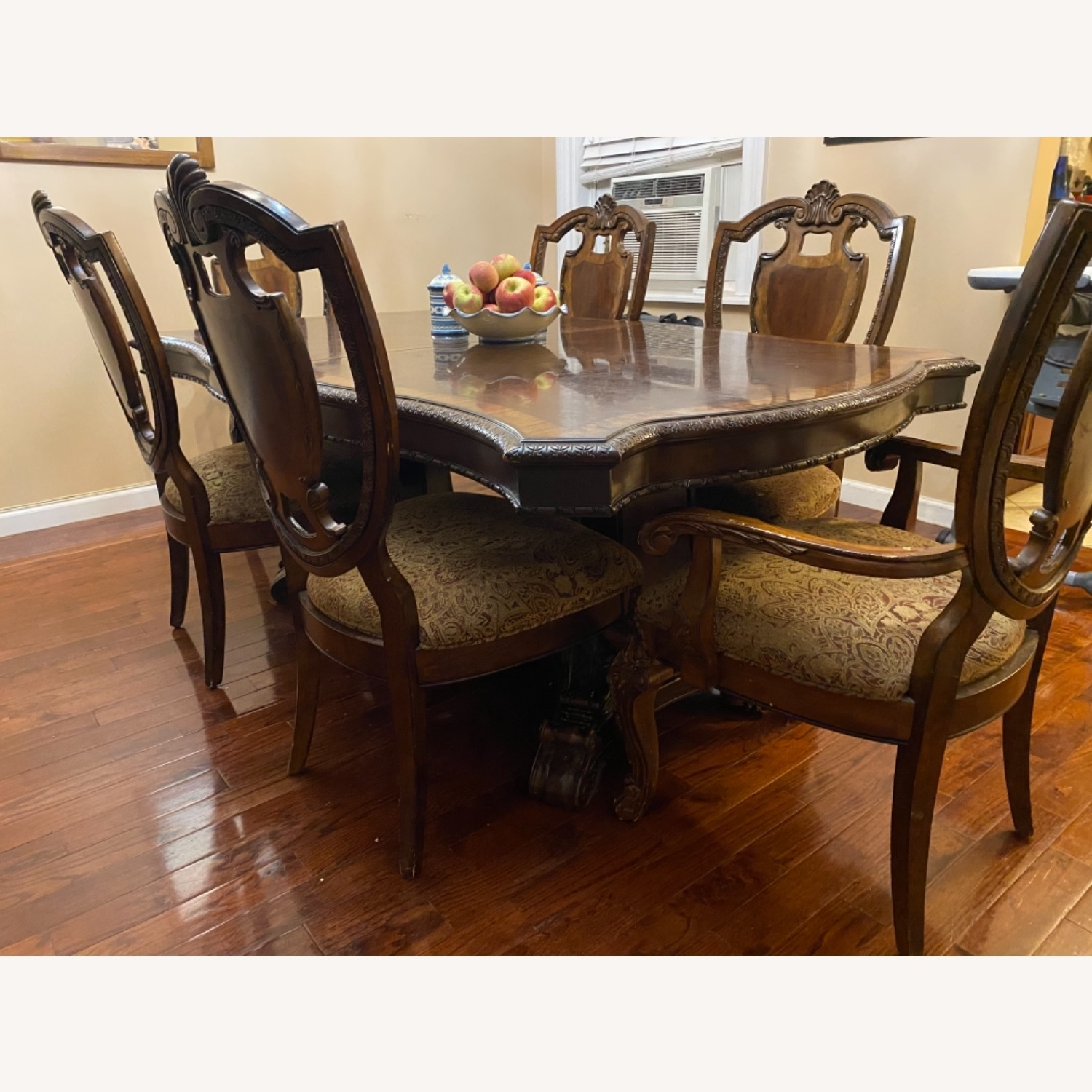 Wooden Dining Room Table Set of 9 Pieces - image-8