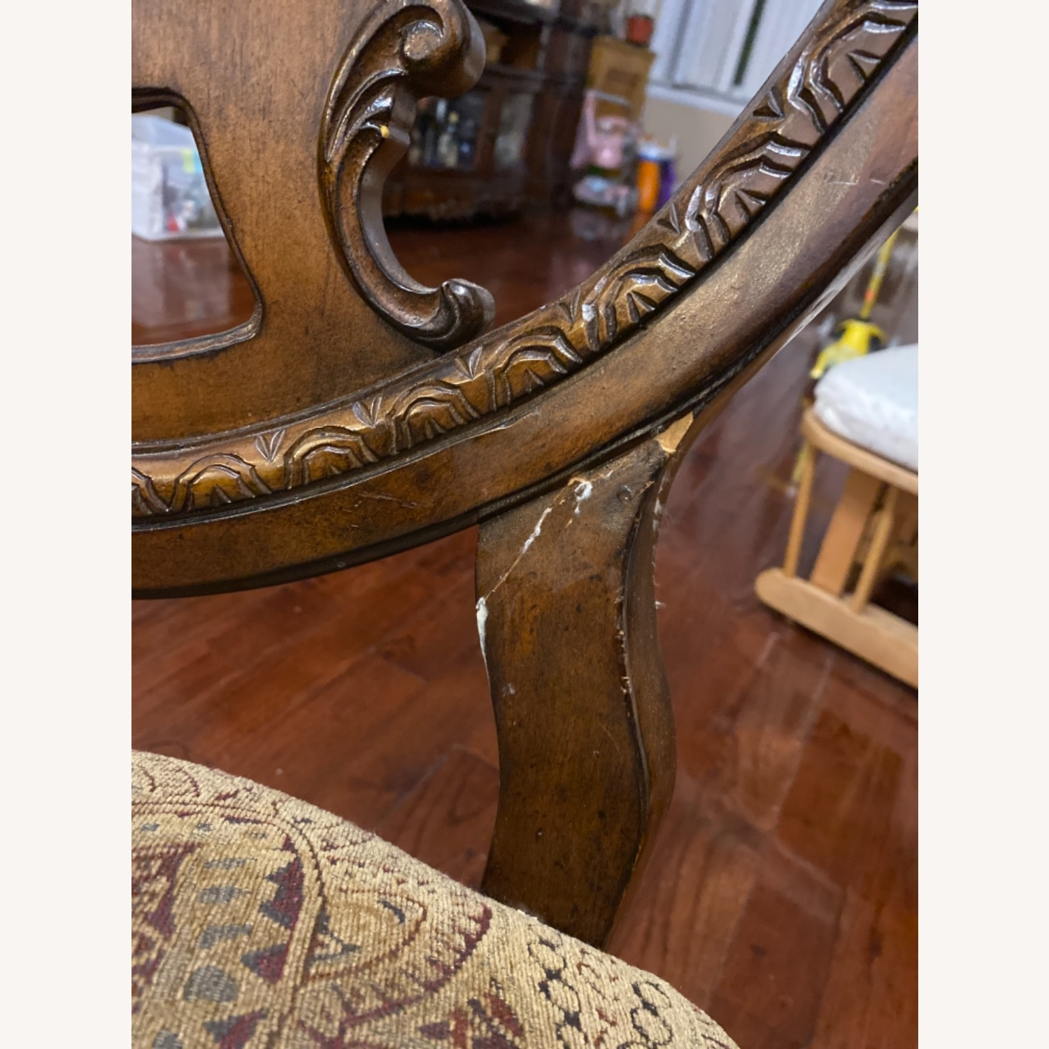 Wooden Dining Room Table Set of 9 Pieces - image-4