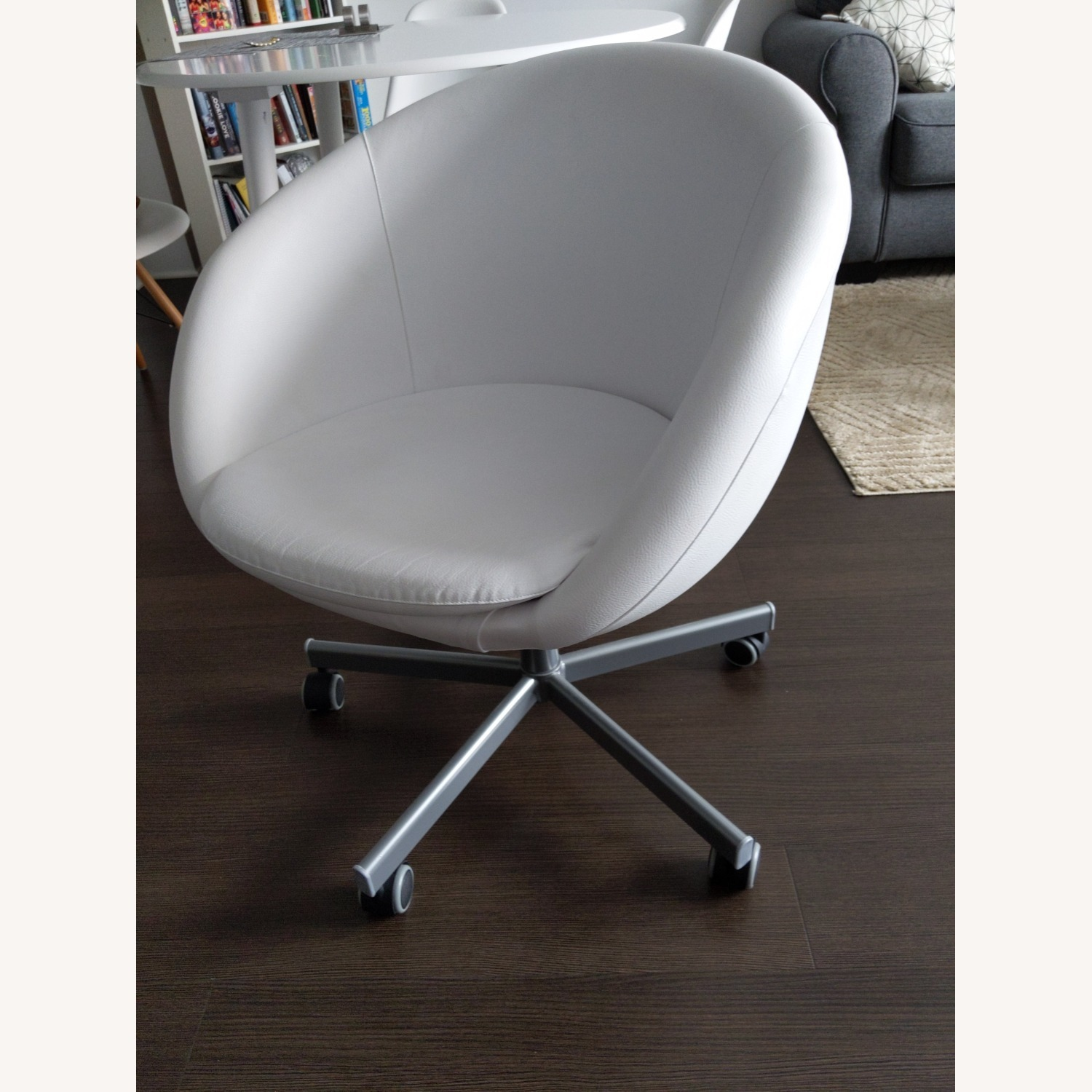 IKEA SKRUVSTA Swivel Office Chair - image-1