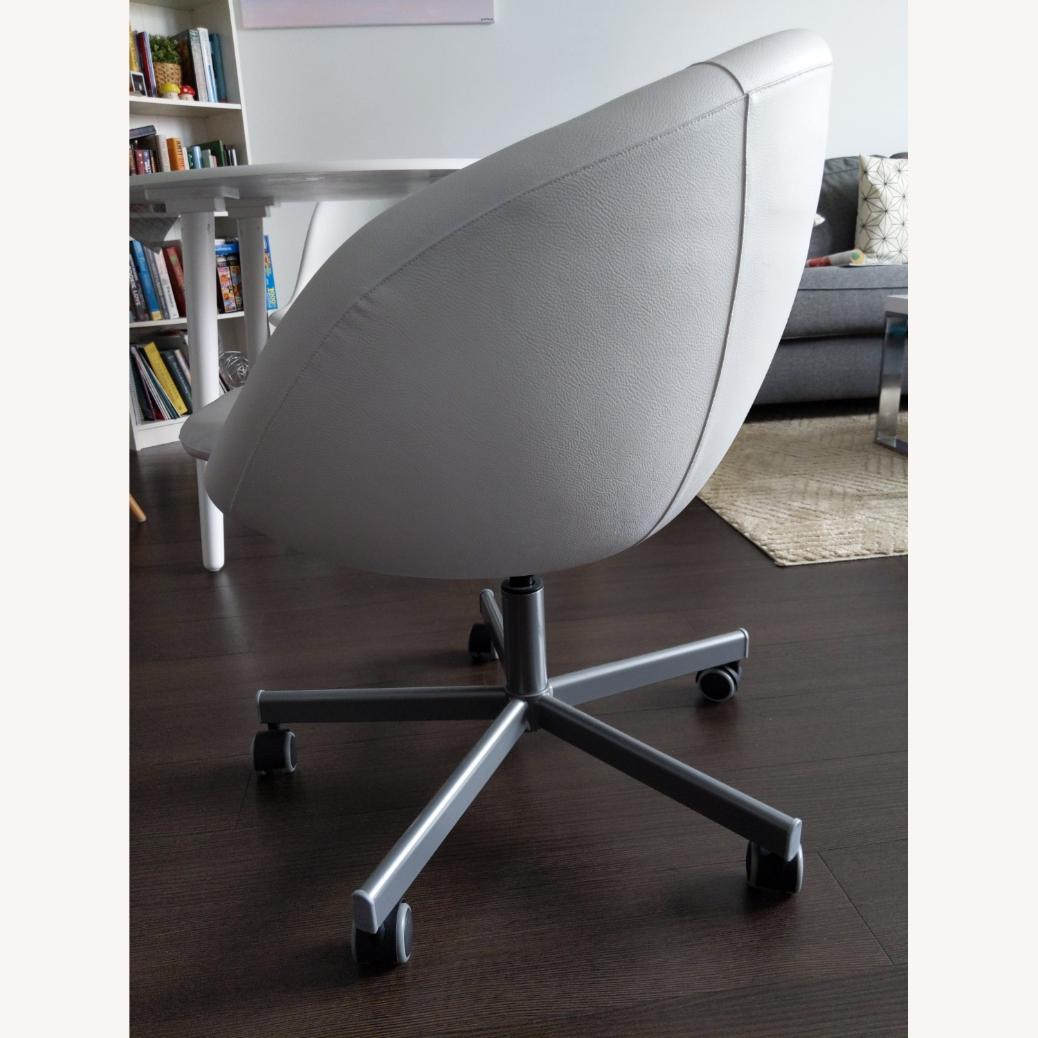 IKEA SKRUVSTA Swivel Office Chair - image-2