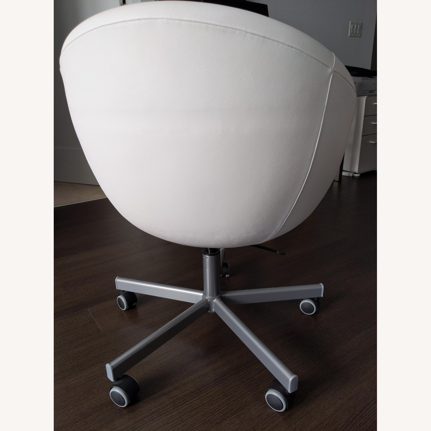 IKEA SKRUVSTA Swivel Office Chair - image-5