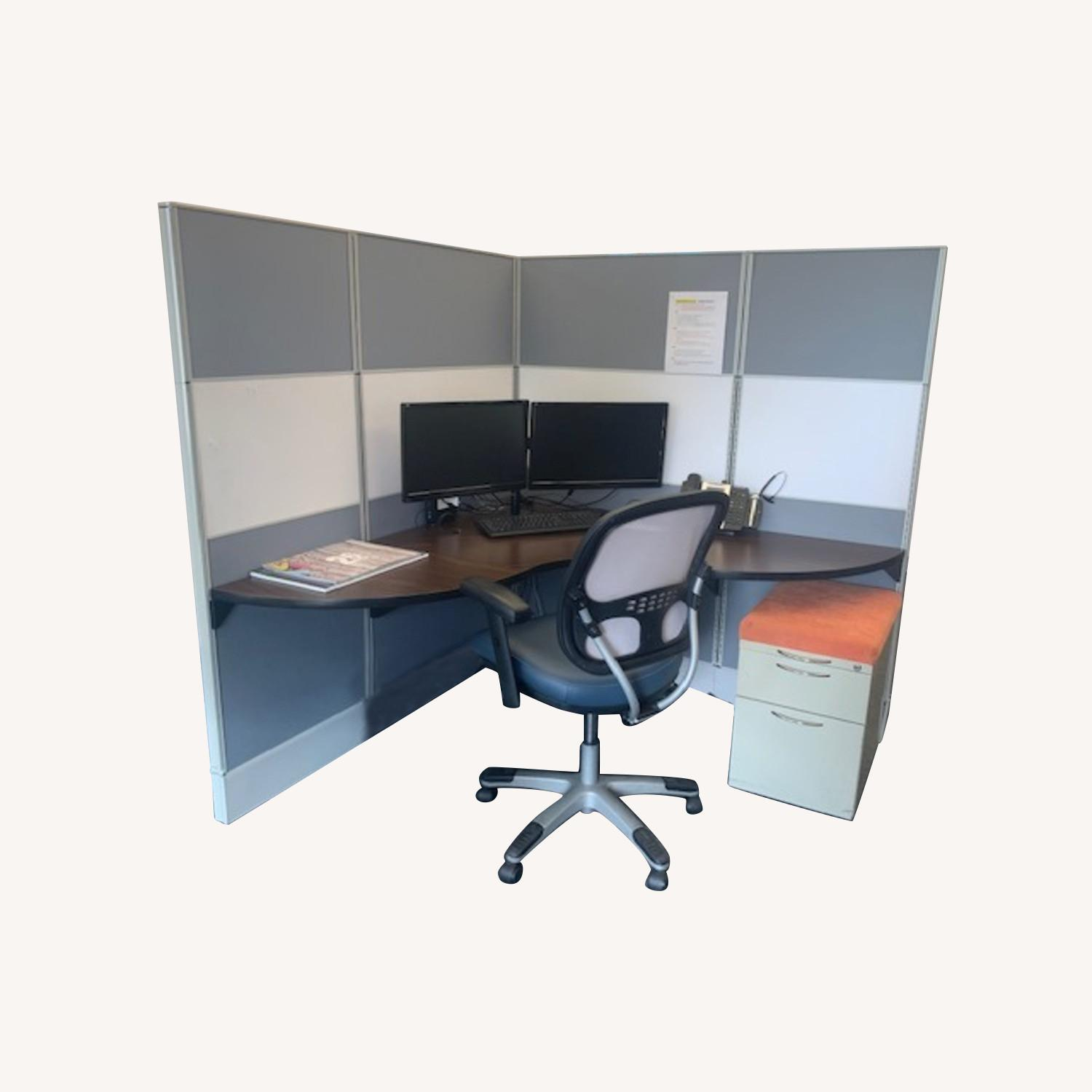 AIS steelcase Avenir Office Cubicles 56 - image-0