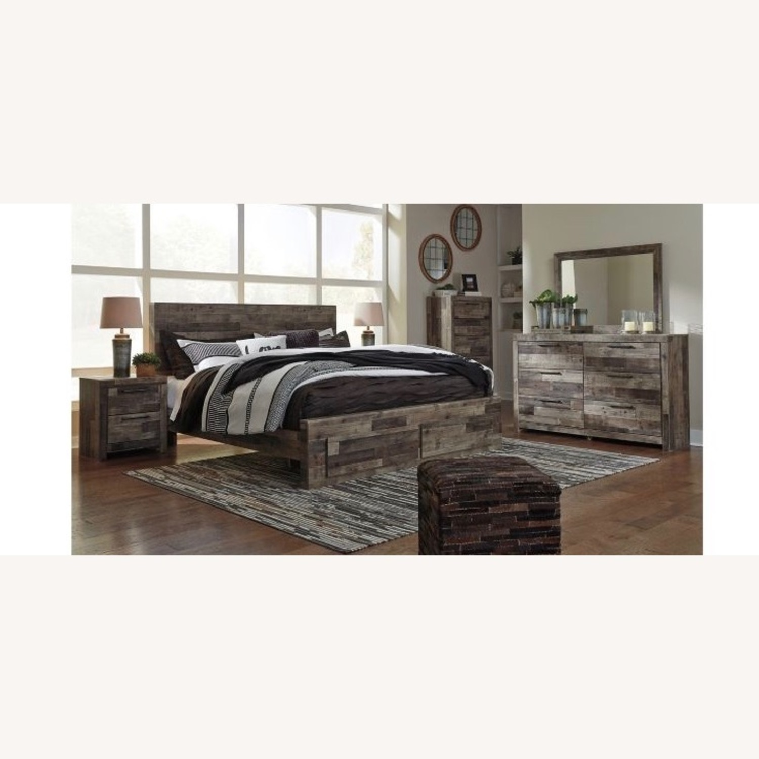 Raymour & Flanigan Ainsworth Queen Size Bed - image-2
