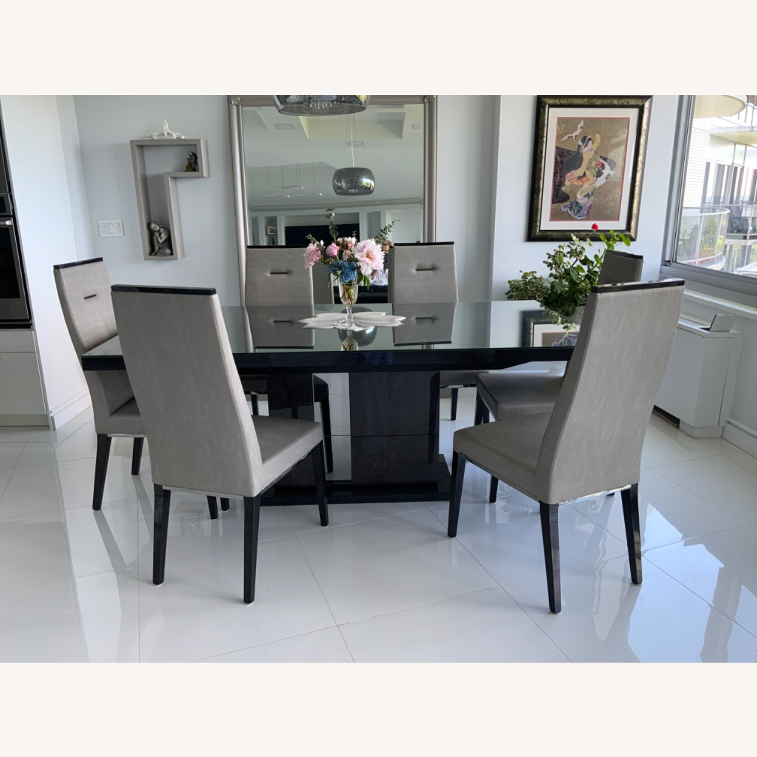 Dining Room Set - 6 leather chairs - image-1