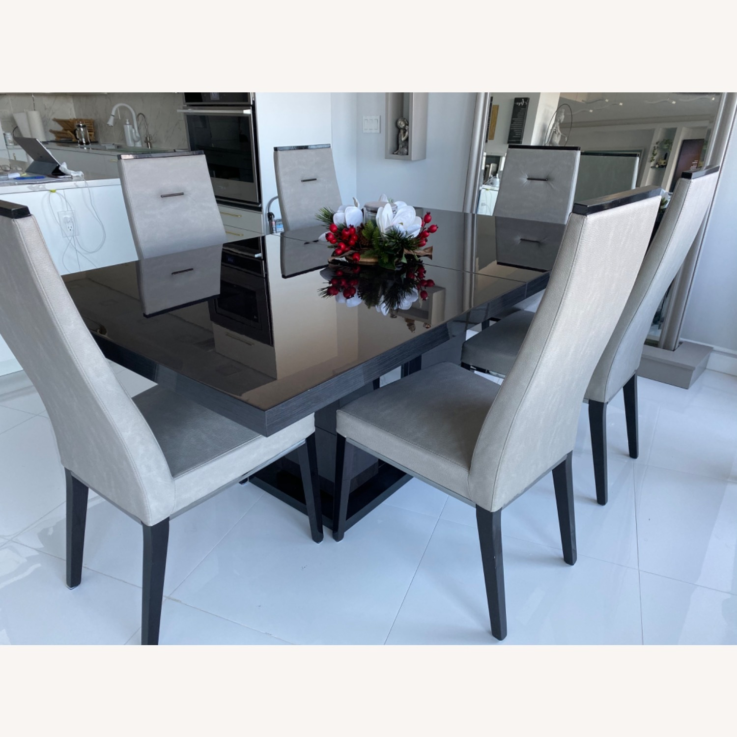 Dining Room Set - 6 leather chairs - image-4