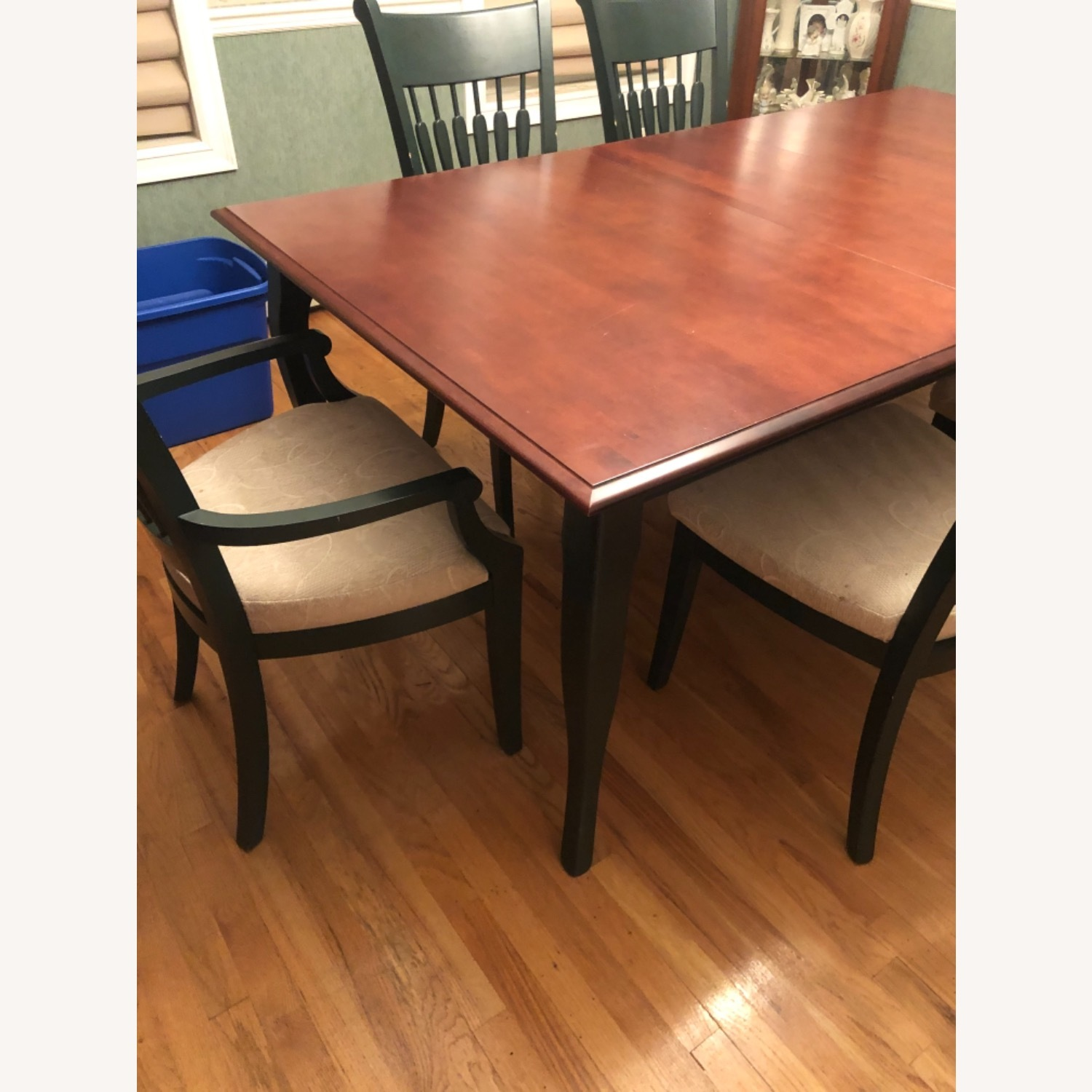 Traditional Dining Room Set - image-4