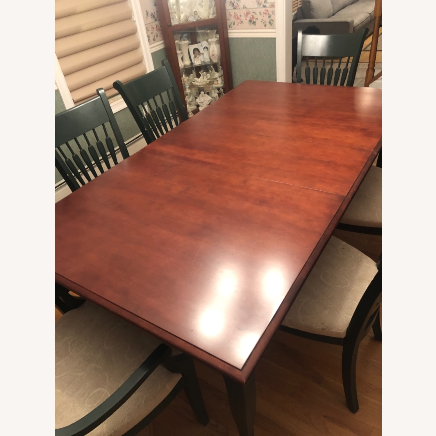 Traditional Dining Room Set - image-1