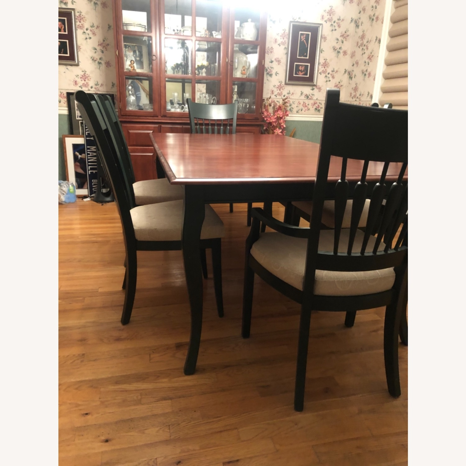Traditional Dining Room Set - image-3