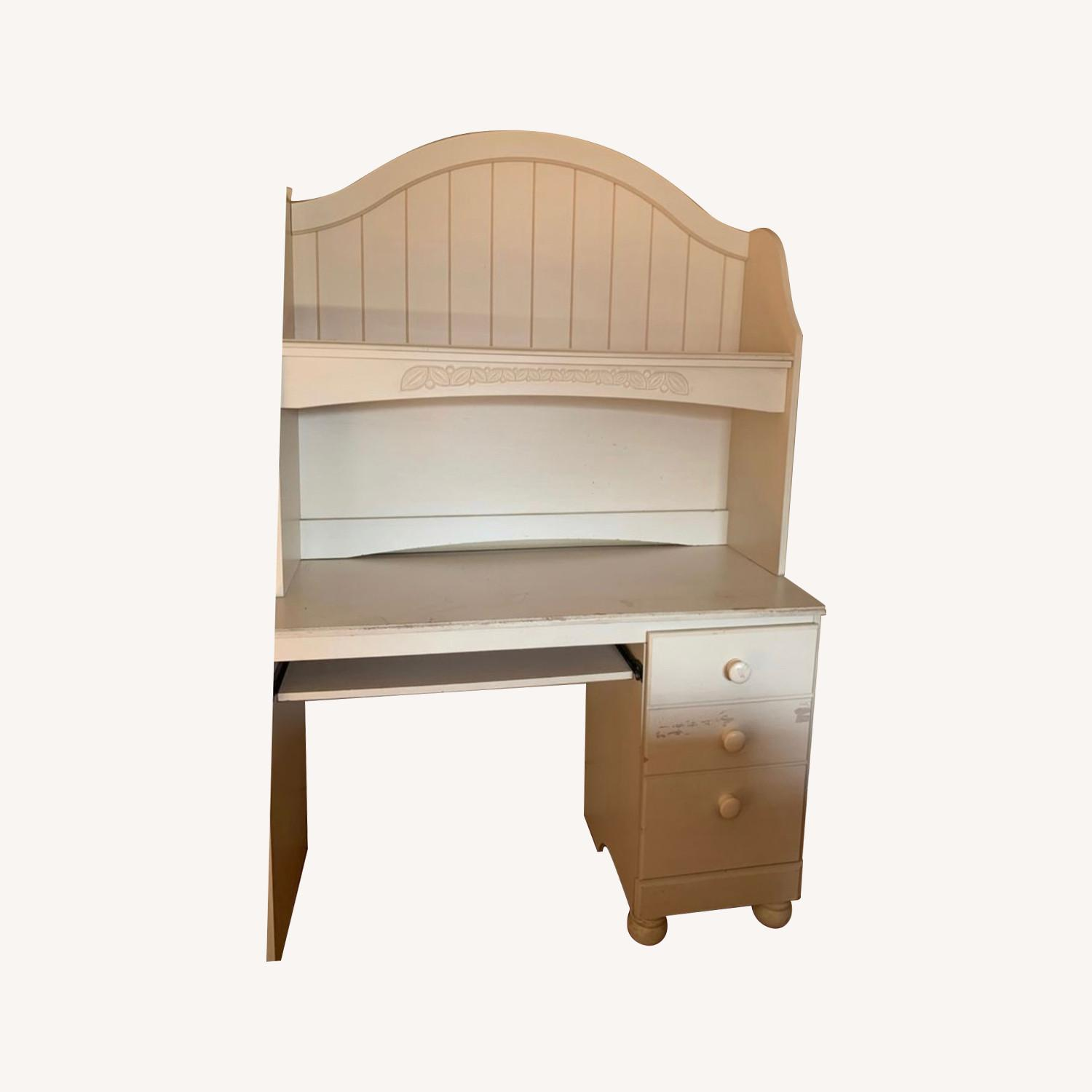 Ashley Furniture Cottage Retreat Bedroom Desk Hutch - image-0