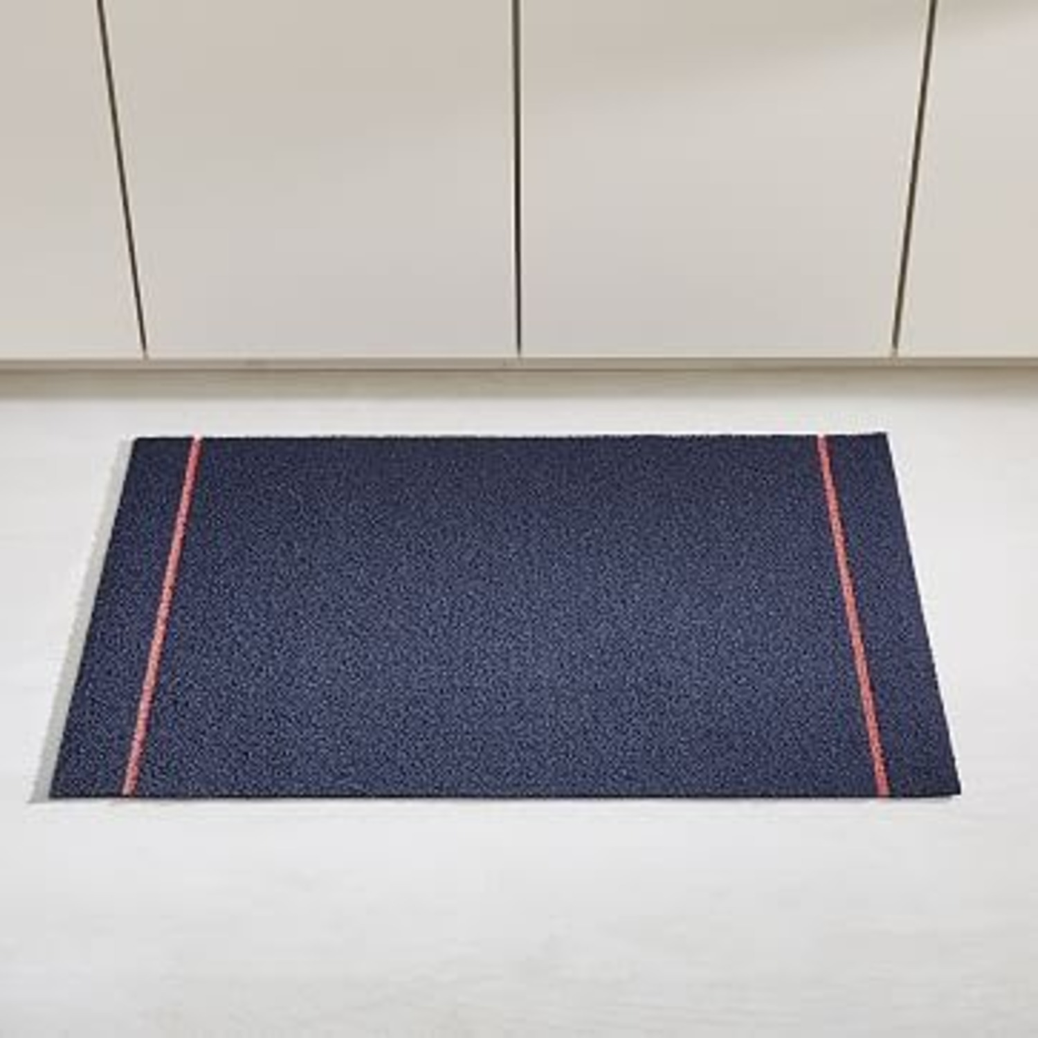 Chilewich Skinny Stripe Shag Mat, Navy Coral - image-1