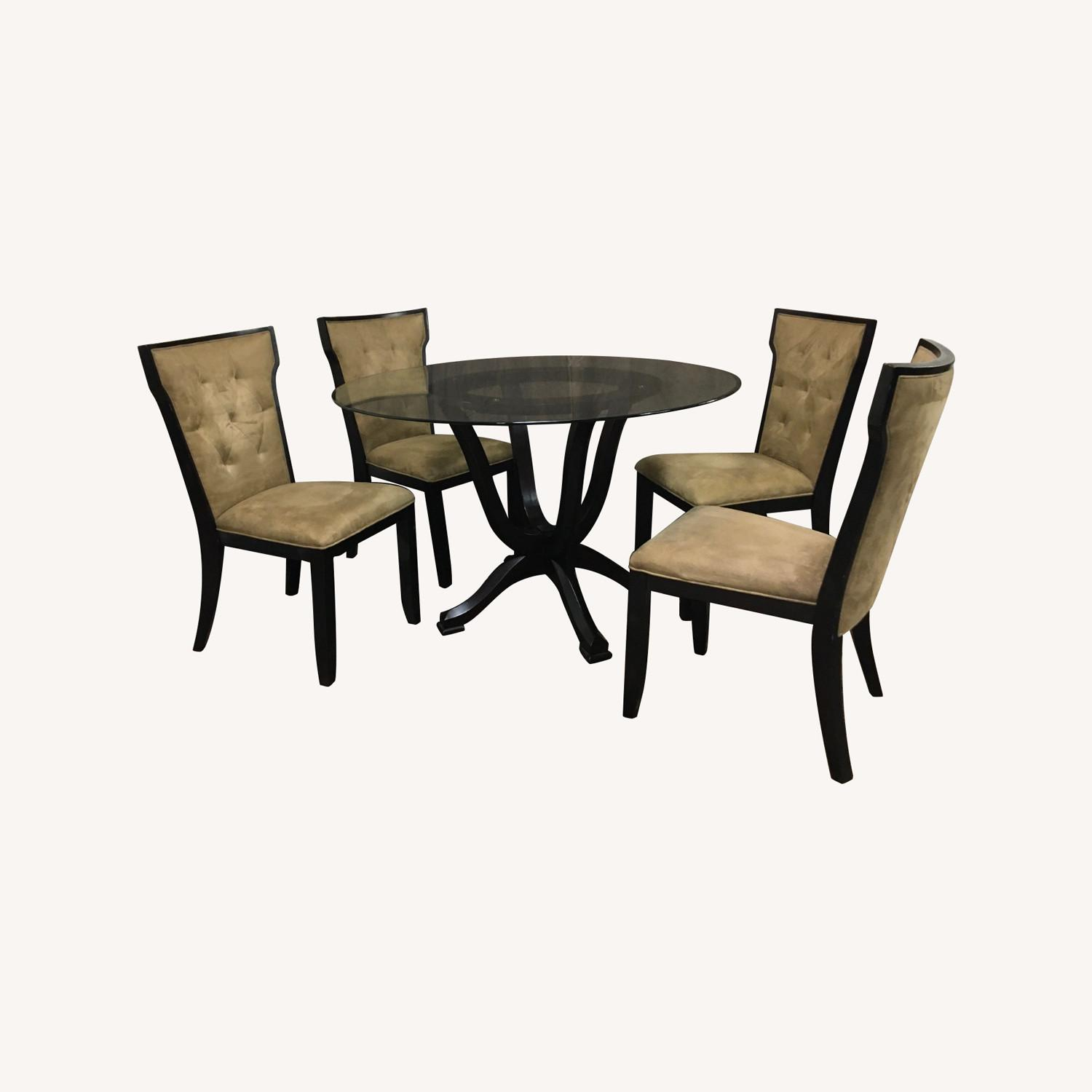 Raymour & Flanigan Glass Table & 4 Basset Padded Chairs - image-0