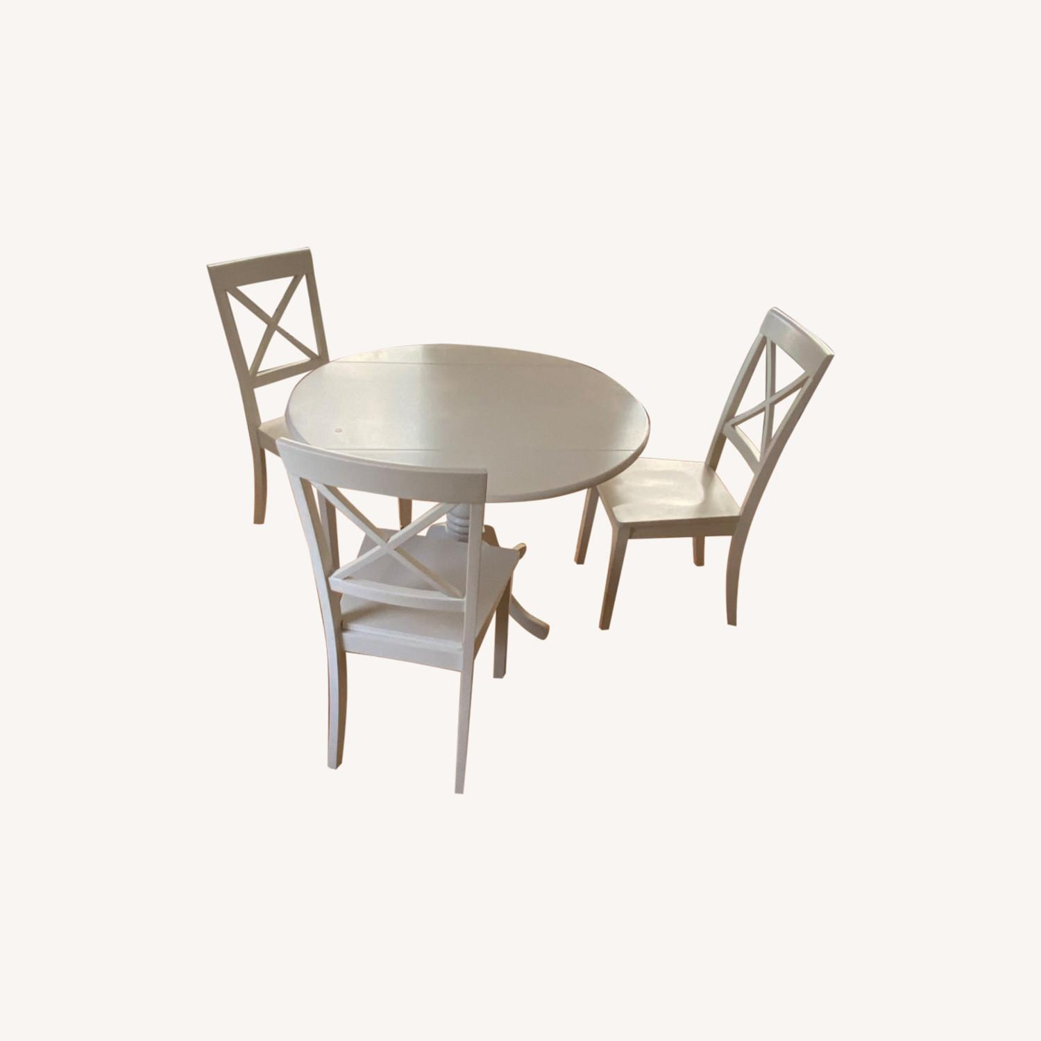 Dining Table and 4 Chairs - image-0