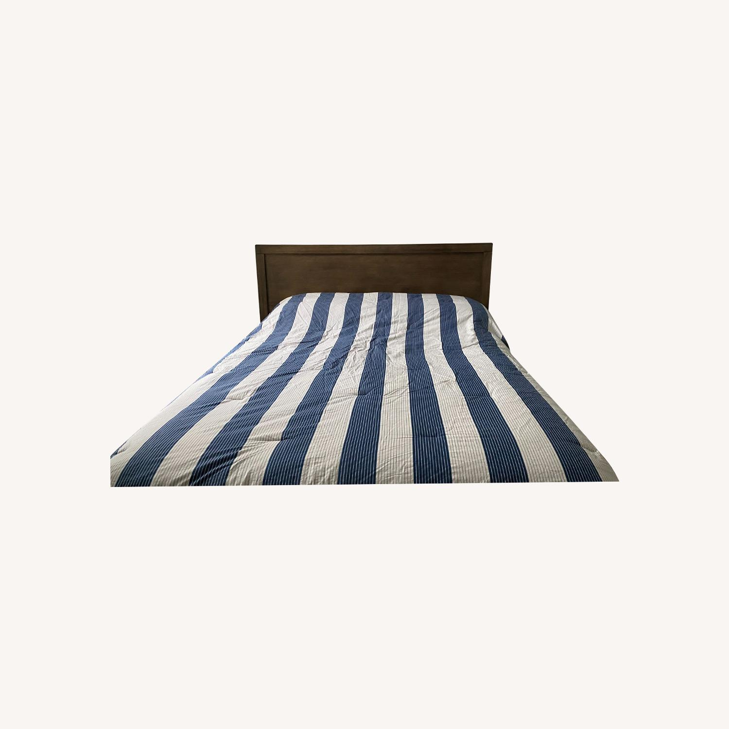 Macy's Canyon Queen Platform Bed - image-0