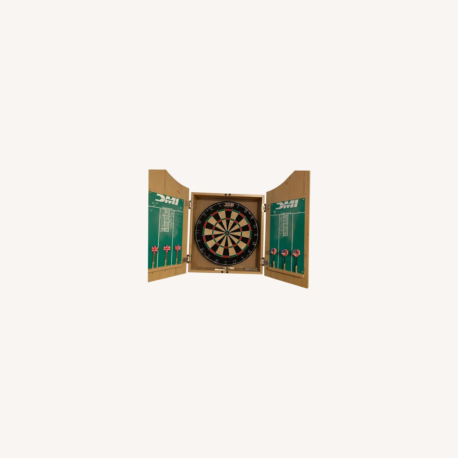 CISCO Brothers Deluxe Dartboard Cabinet Set - image-0