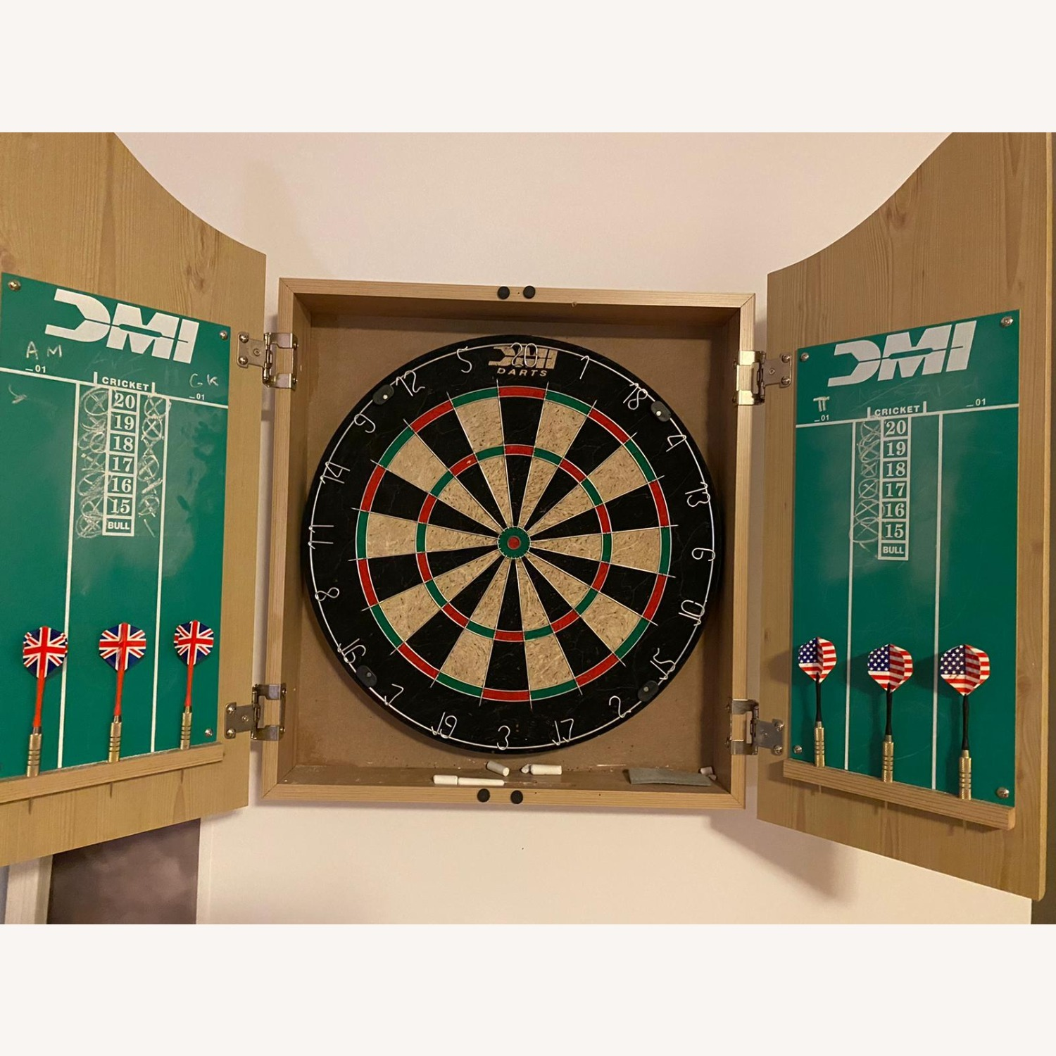 CISCO Brothers Deluxe Dartboard Cabinet Set - image-1
