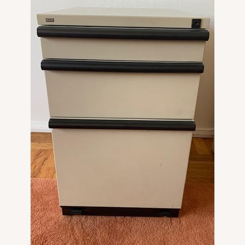 Used HON mobile 2 drawer file/Pencil Pedestal Cabinet for sale on AptDeco