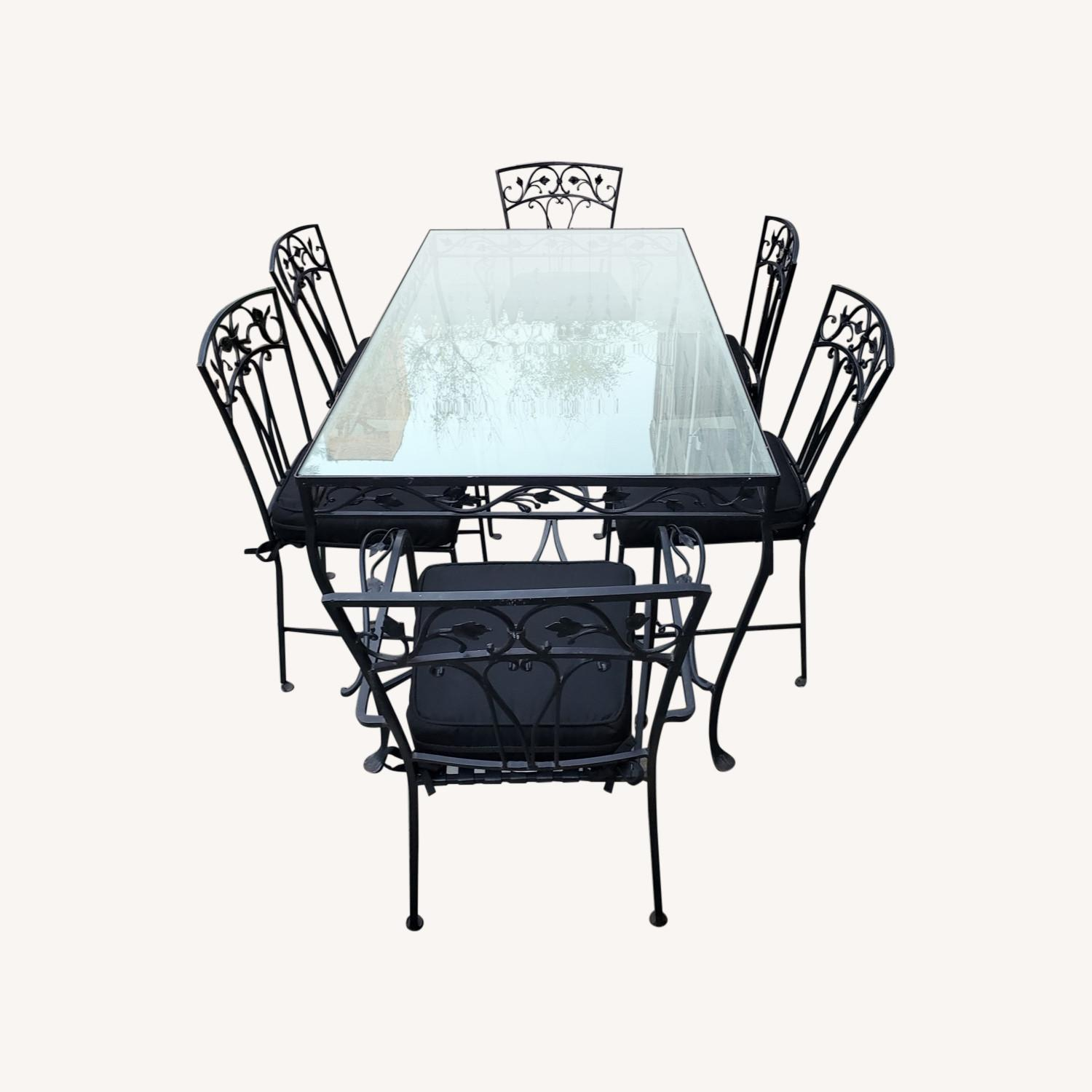 1940's VINTAGE OUTDOOR WROUGHT IRON TABLE/CHAIRS - image-0