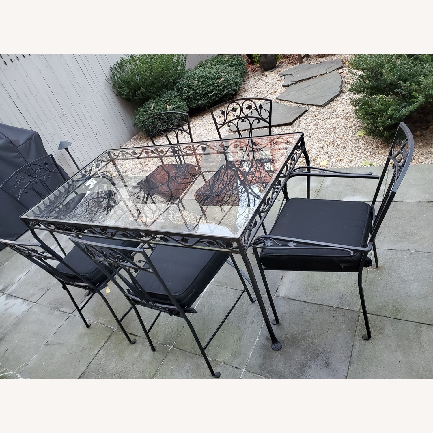1940's VINTAGE OUTDOOR WROUGHT IRON TABLE/CHAIRS - image-3