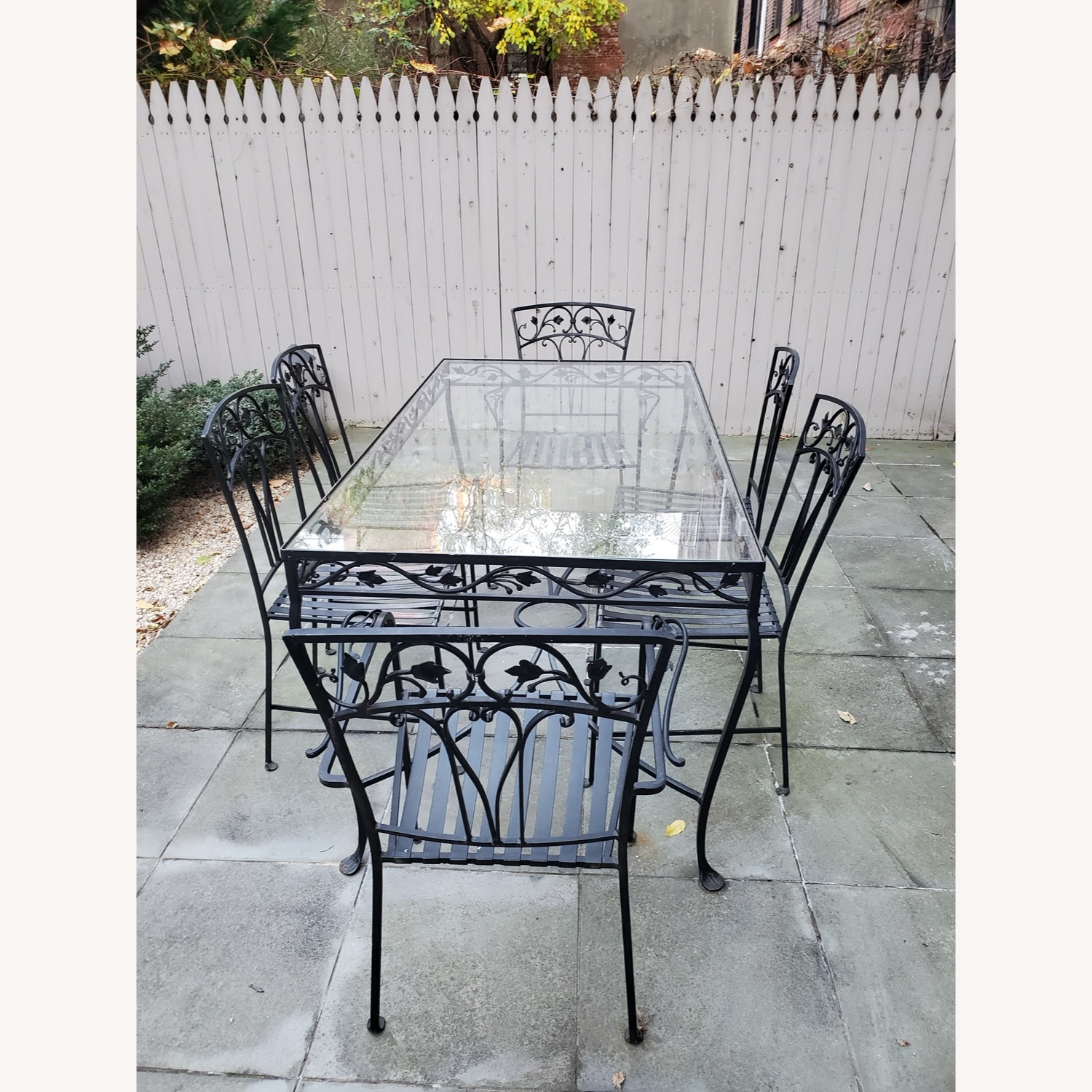 1940's VINTAGE OUTDOOR WROUGHT IRON TABLE/CHAIRS - image-7