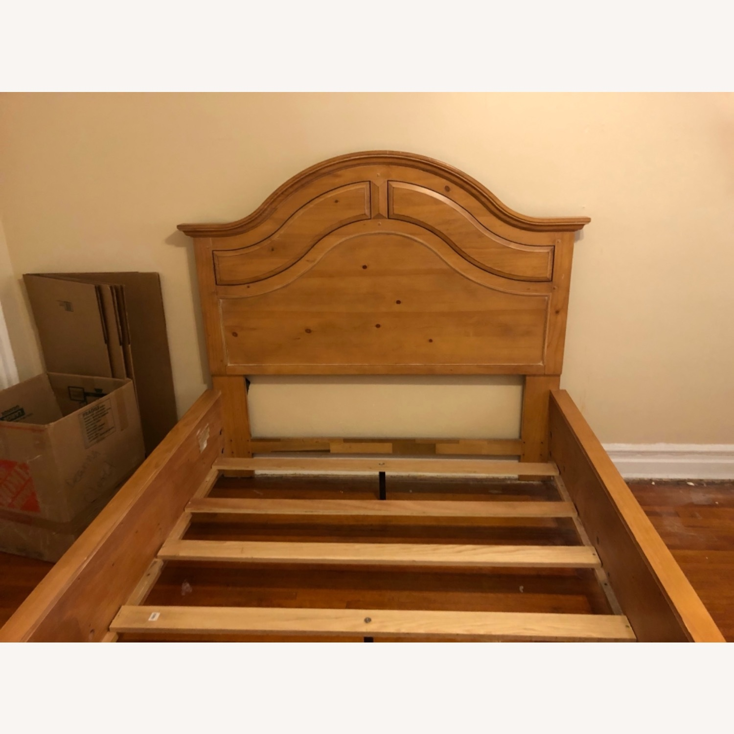 Broyhill Furniture Solid Wood Queen Size Bed - image-8
