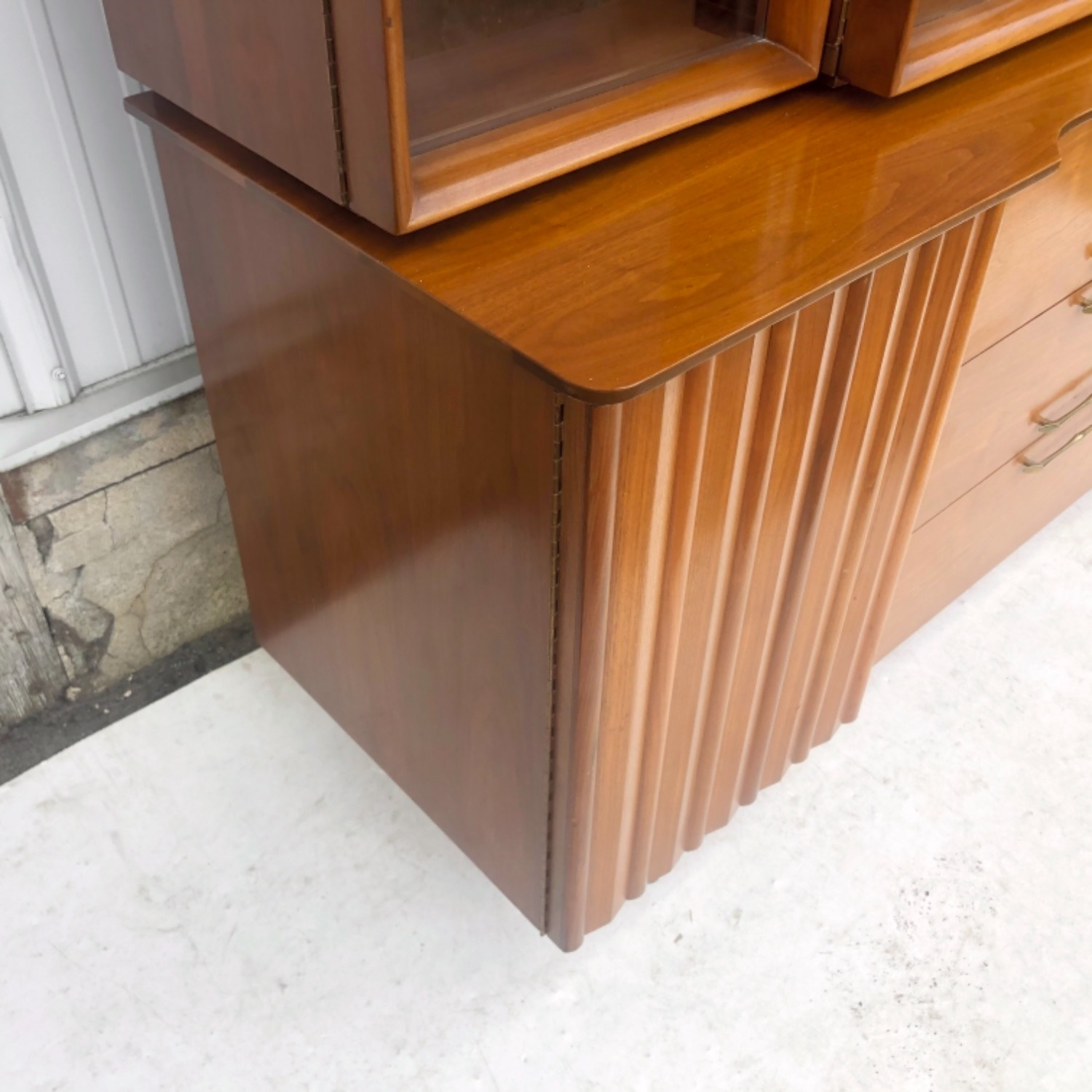 Mid-Century Modern Sideboard With Display Topper - image-7