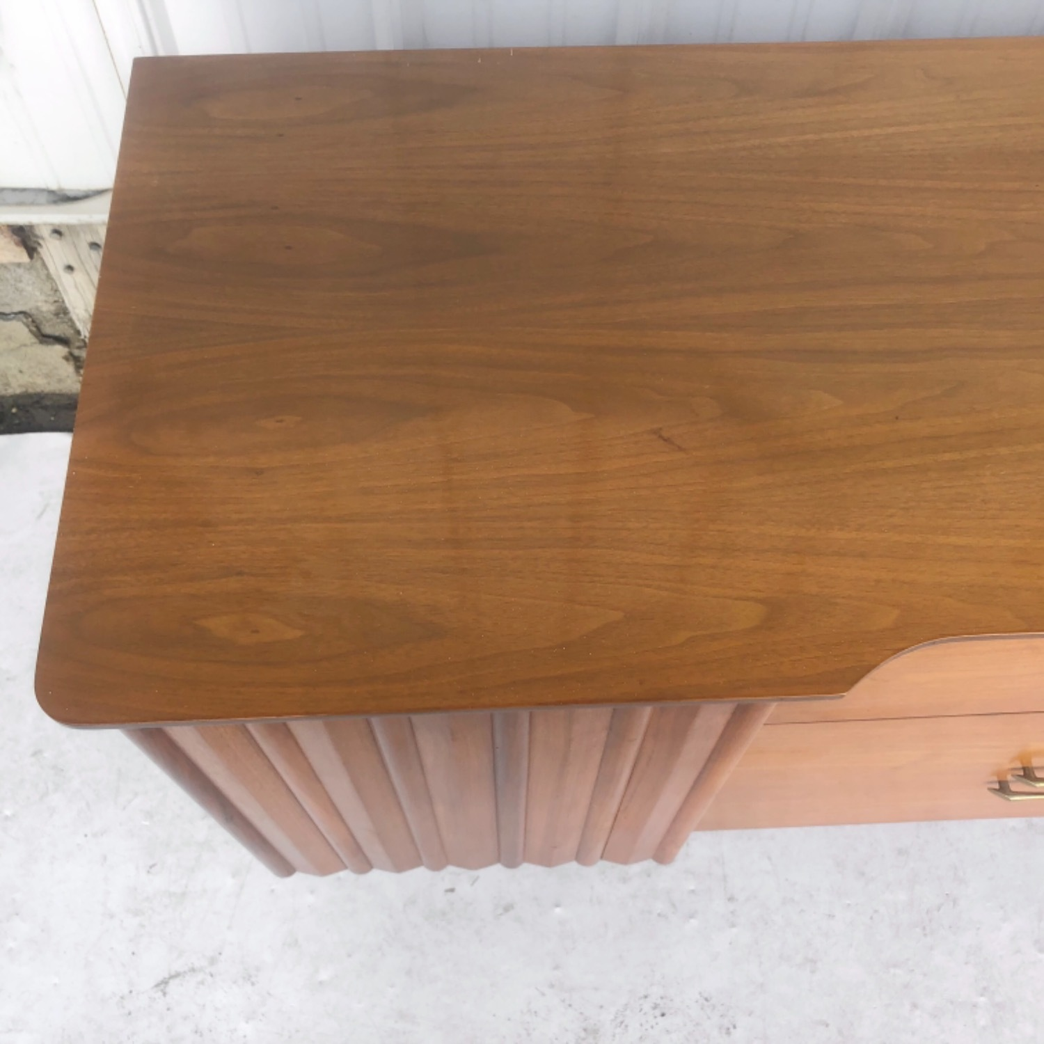 Mid-Century Modern Sideboard With Display Topper - image-18