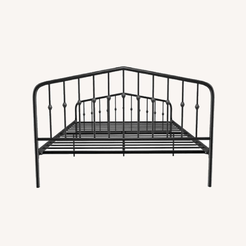 Novogratz Bushwick Platform Bed Aptdeco