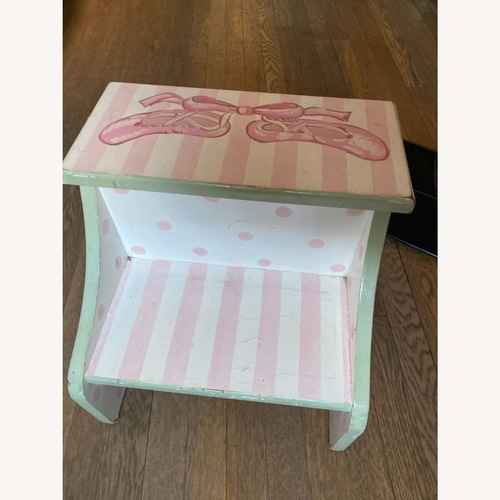 Used Bellini Furniture Step Stool for sale on AptDeco