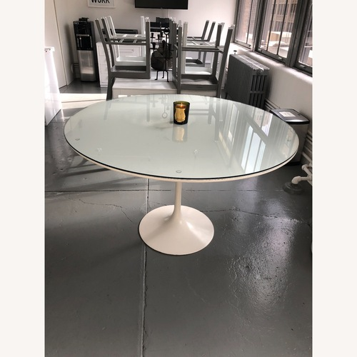 Used Vintage Knoll Tulip Table by Saarinen for sale on AptDeco