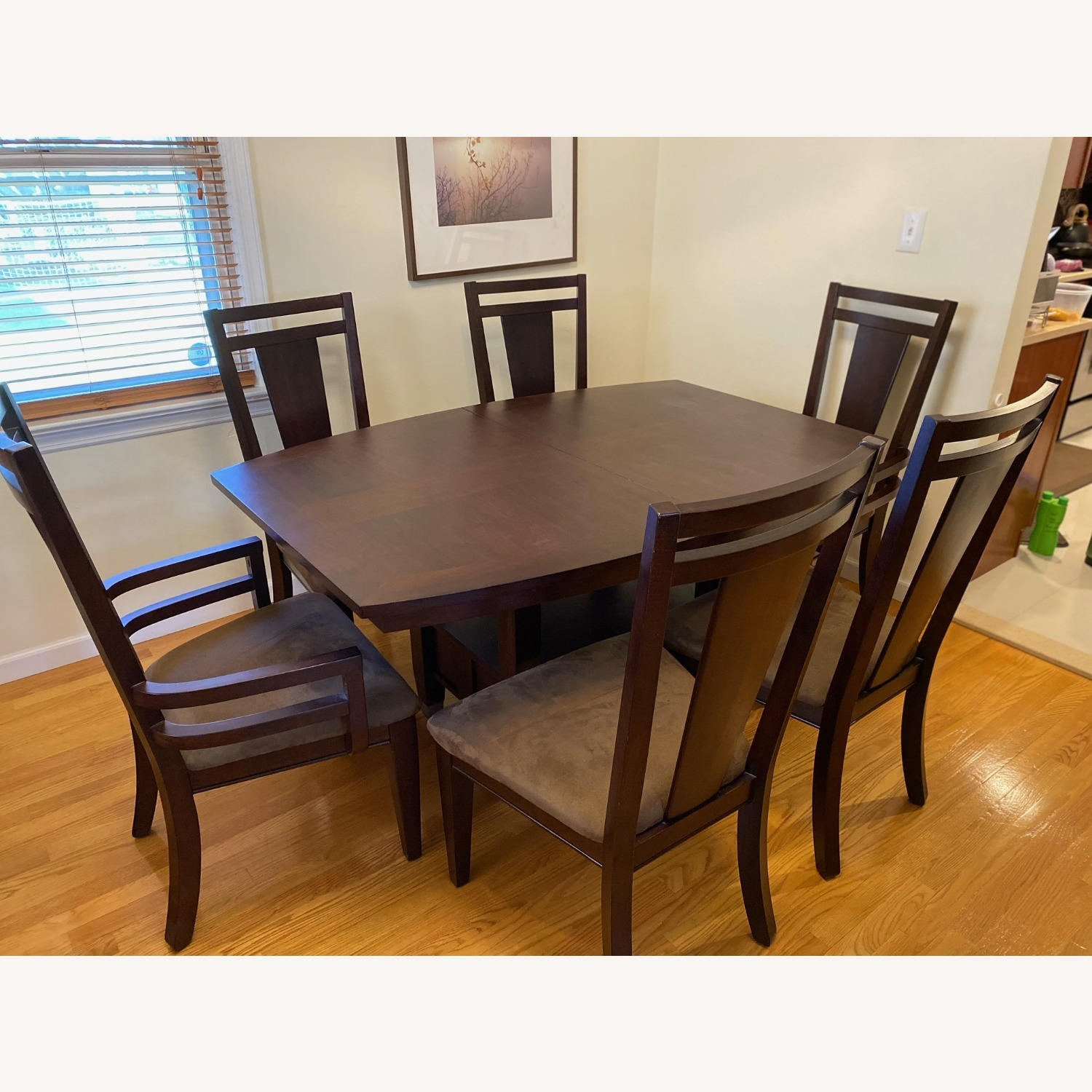 Broyhill Furniture 8-Piece Dining Set - image-5