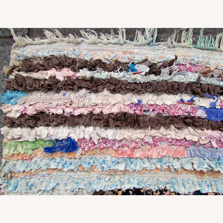 Handmade vintage Moroccan Berber rug - image-8