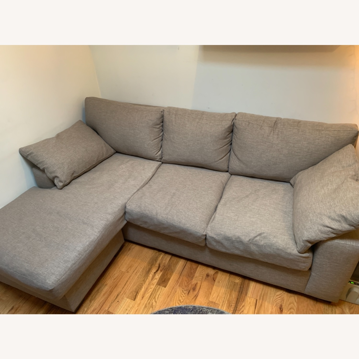Comfy Large Sofa With Chase (L) - image-3