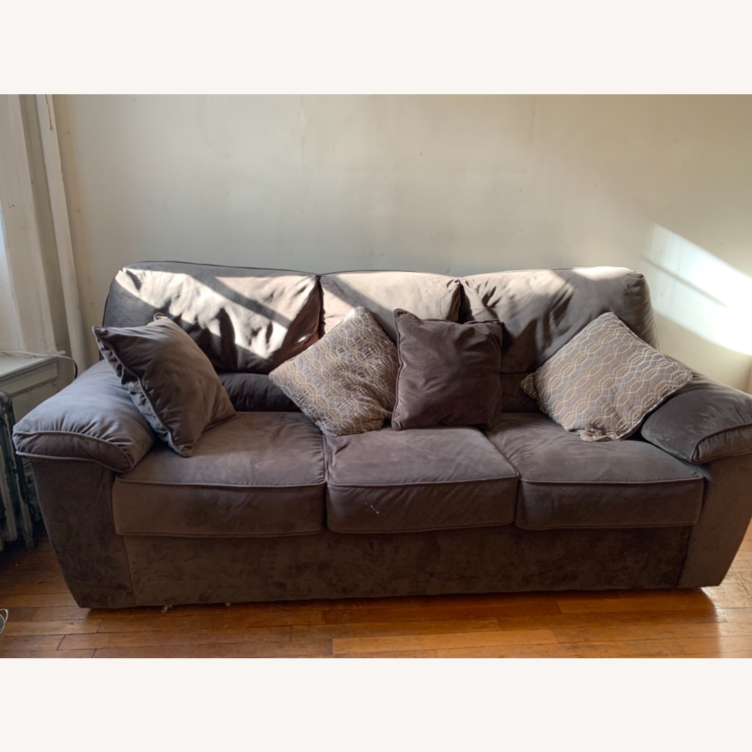 Rockport Couch - image-2