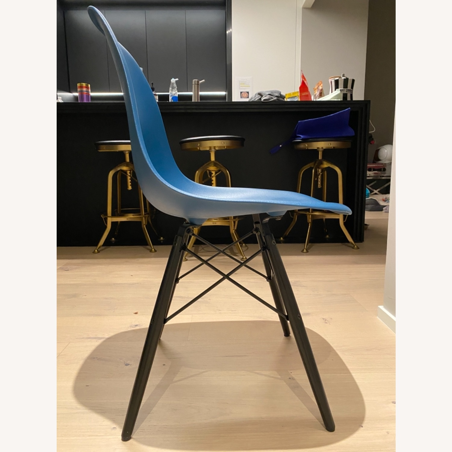 4 x Herman Miller Eames Molded Plastic Side Chair - image-9