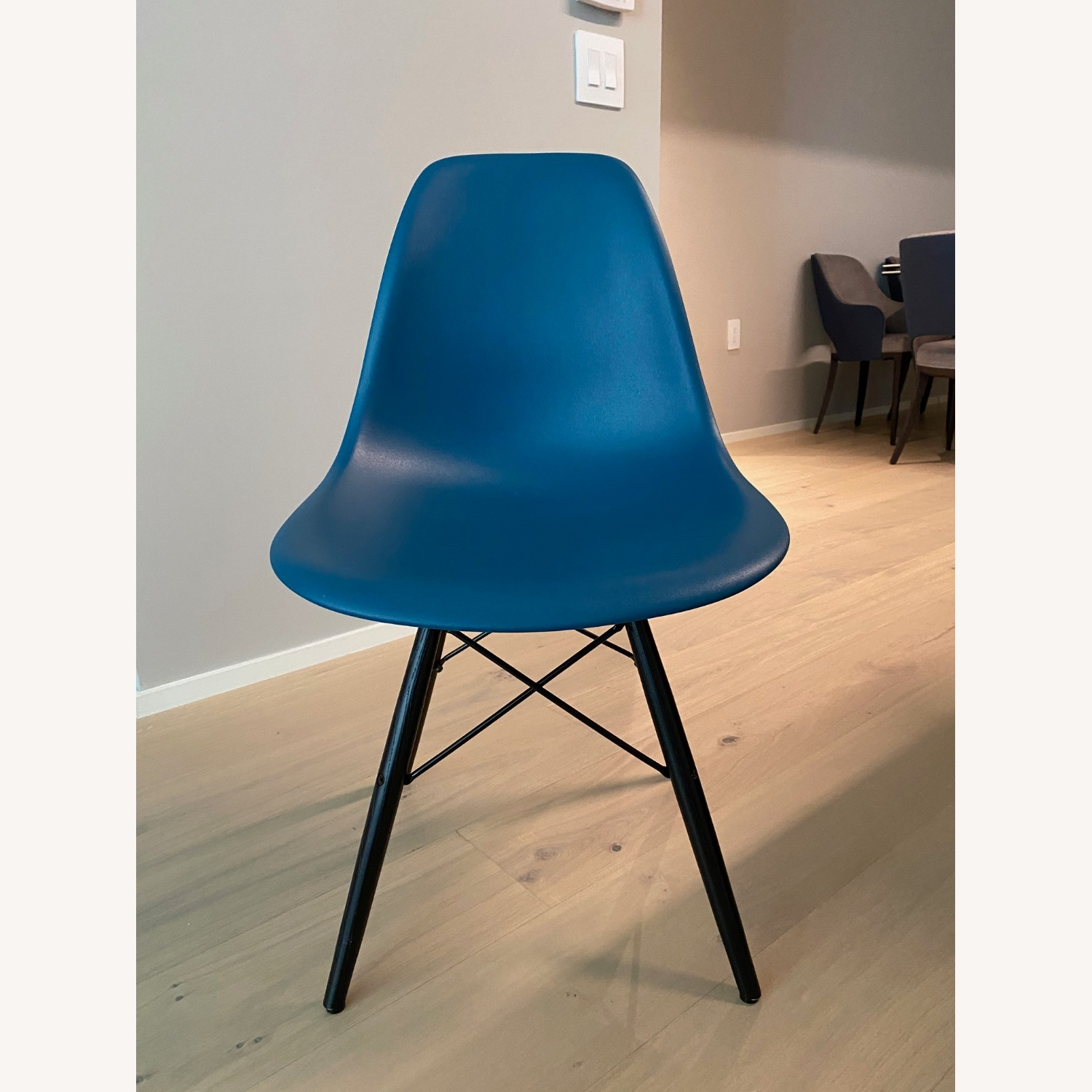 4 x Herman Miller Eames Molded Plastic Side Chair - image-0