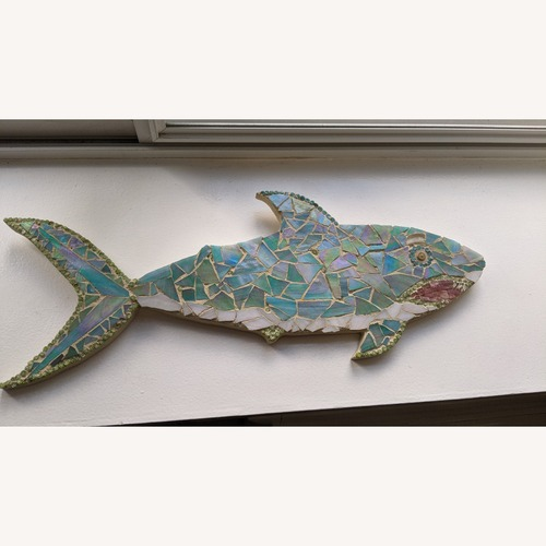 Used Mosaic Shark for sale on AptDeco