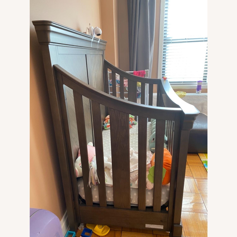Bassett Baby Crib - image-4
