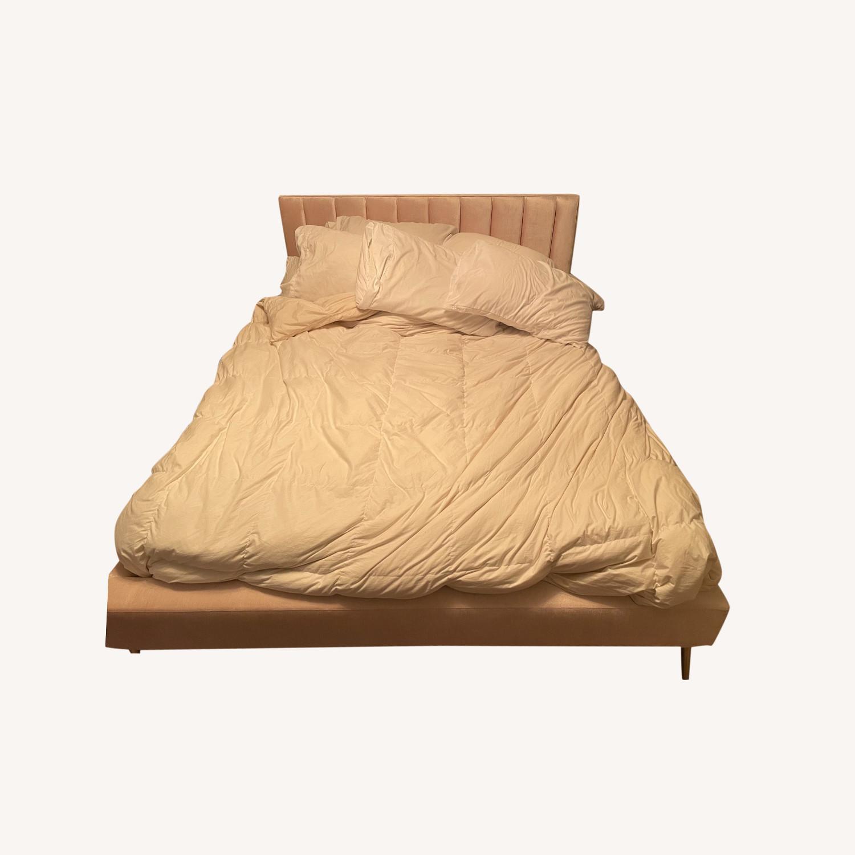 Skyline Furniture DeAngelo Velvet Queen-Sized Platform Bed - image-0