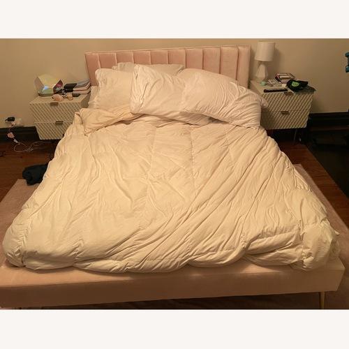 Used Skyline Furniture DeAngelo Velvet Queen-Sized Platform Bed for sale on AptDeco