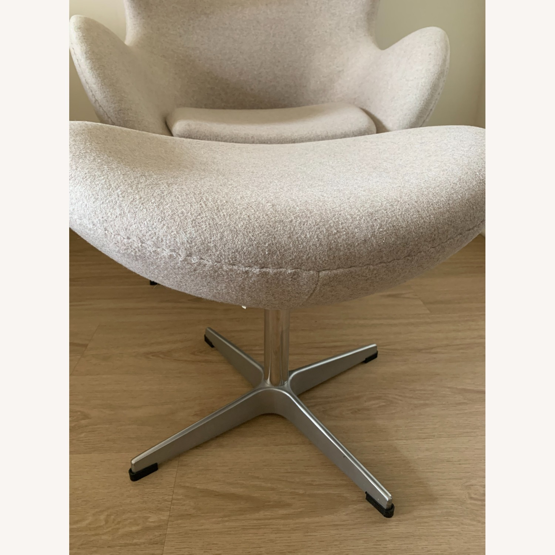 Arne Jacobsen Egg Chair - image-1