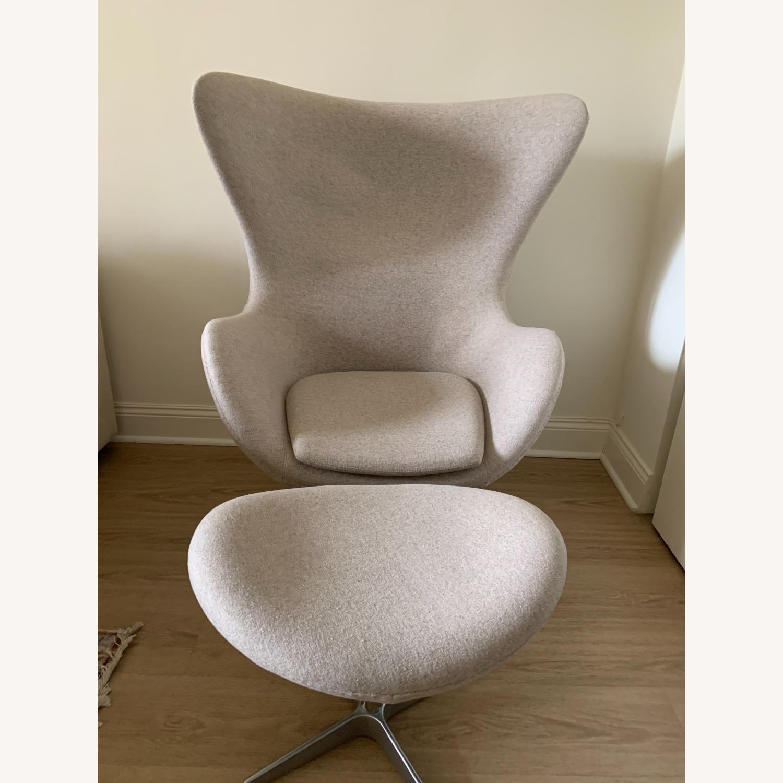 Arne Jacobsen Egg Chair - image-0