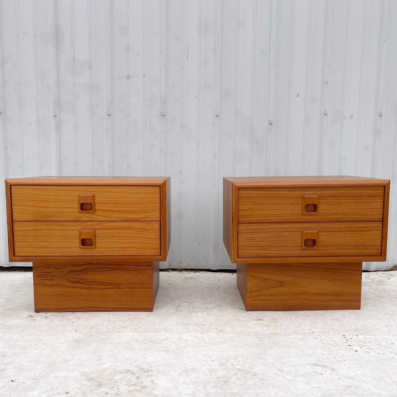 Vintage Modern Teak Nightstands- a Pair - image-6