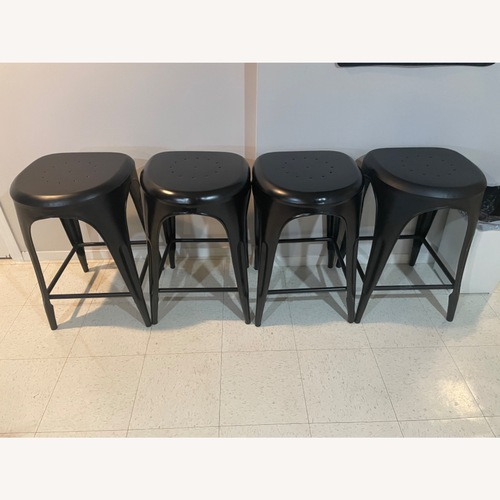 Used FantasticDecor 4 Cool Stools for sale on AptDeco