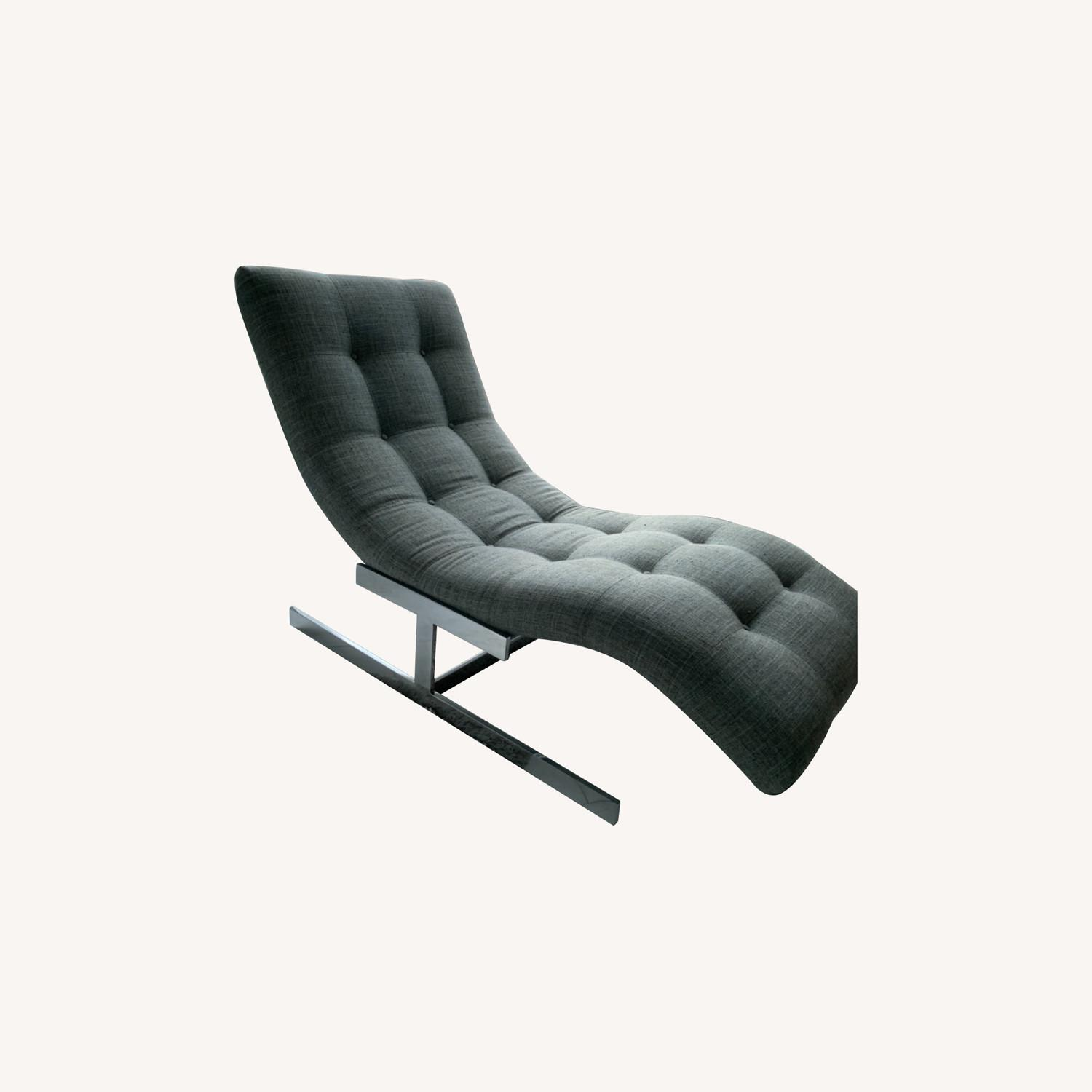 Tufted Recliner Chair - image-0