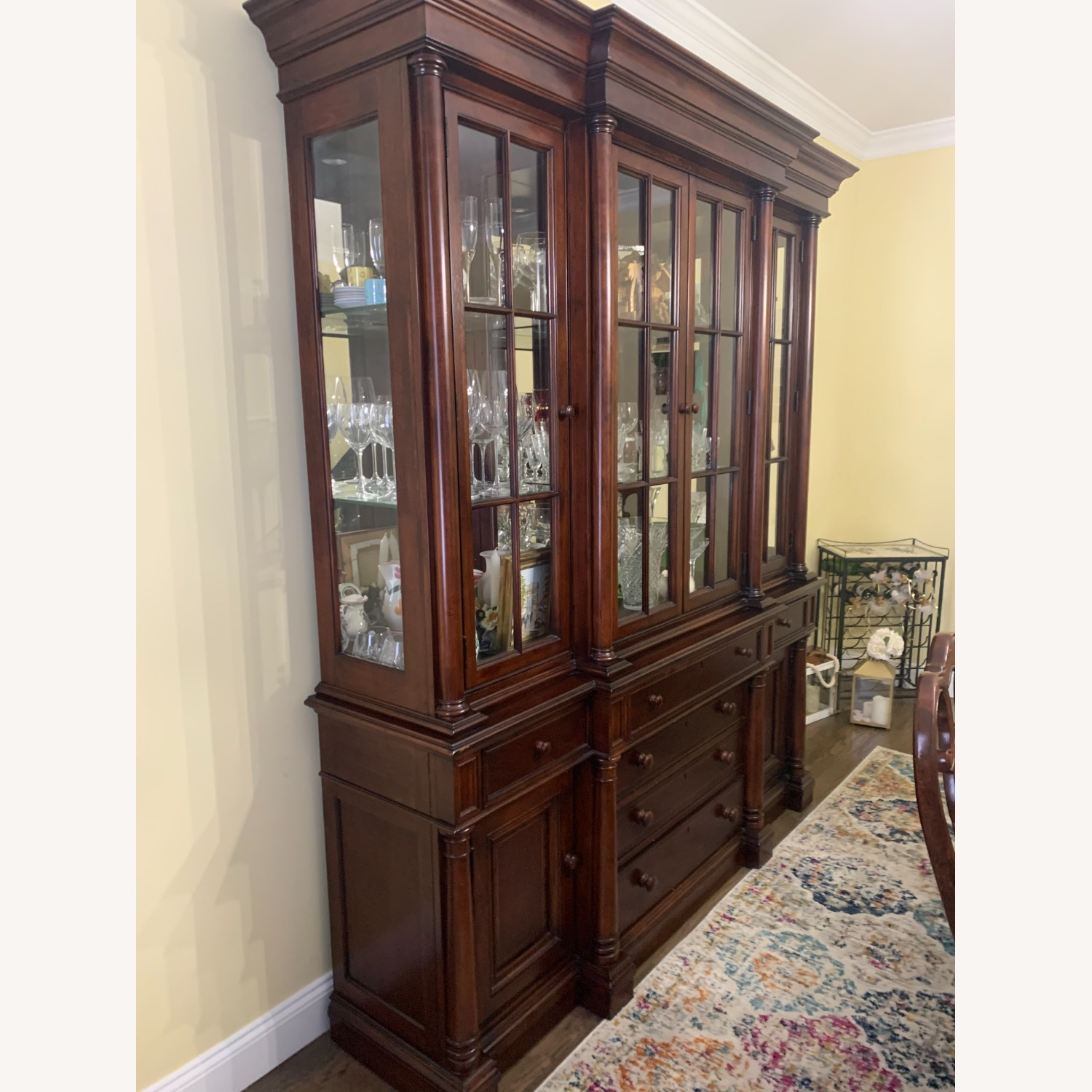 Thomasville China Cabinet Hutch Breakfront Display - image-6