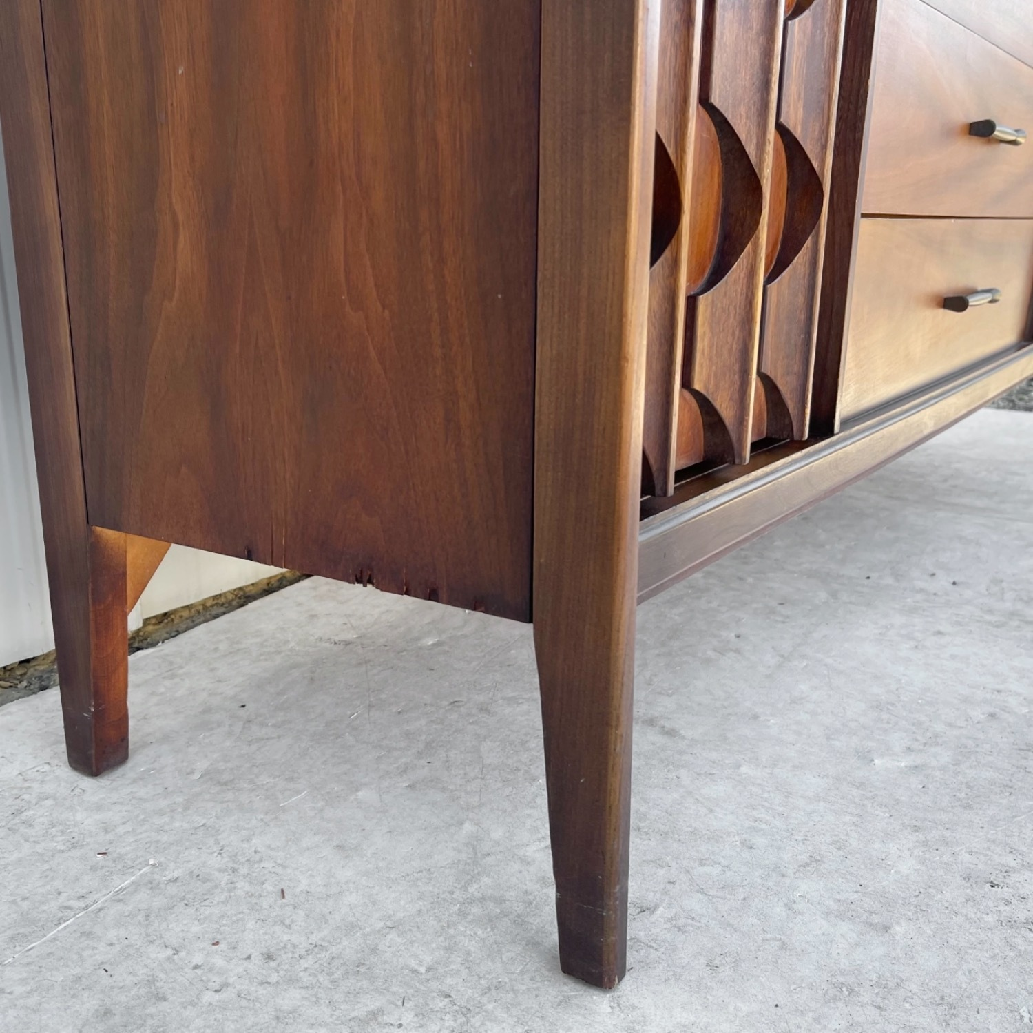 Mid-Century Modern Sideboard With Cabinet - image-12