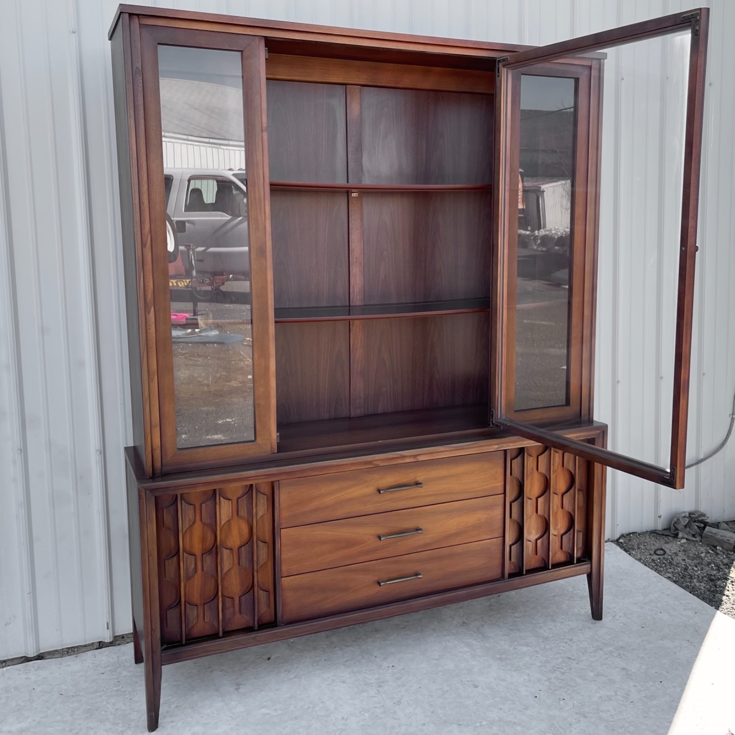 Mid-Century Modern Sideboard With Cabinet - image-3