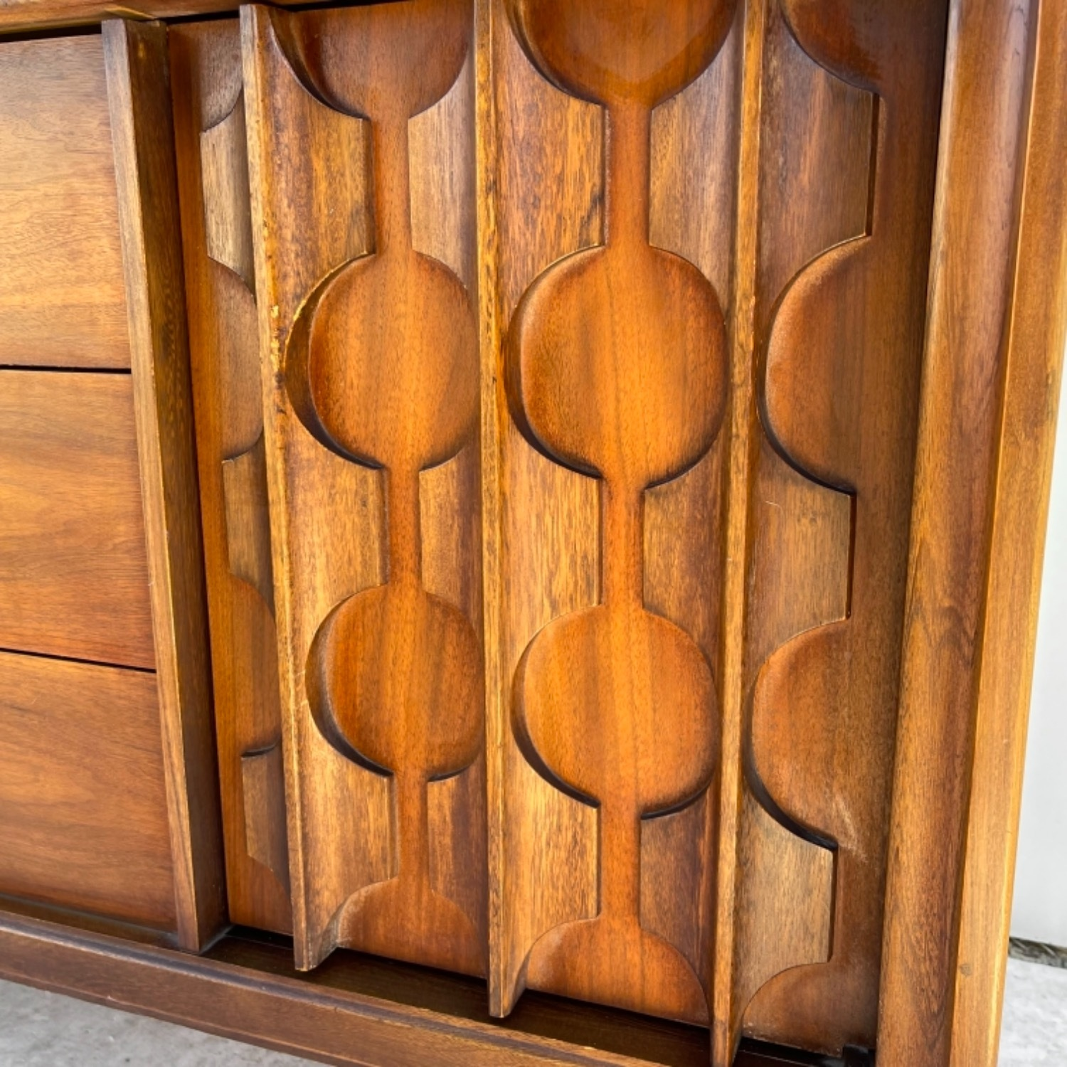 Mid-Century Modern Sideboard With Cabinet - image-8
