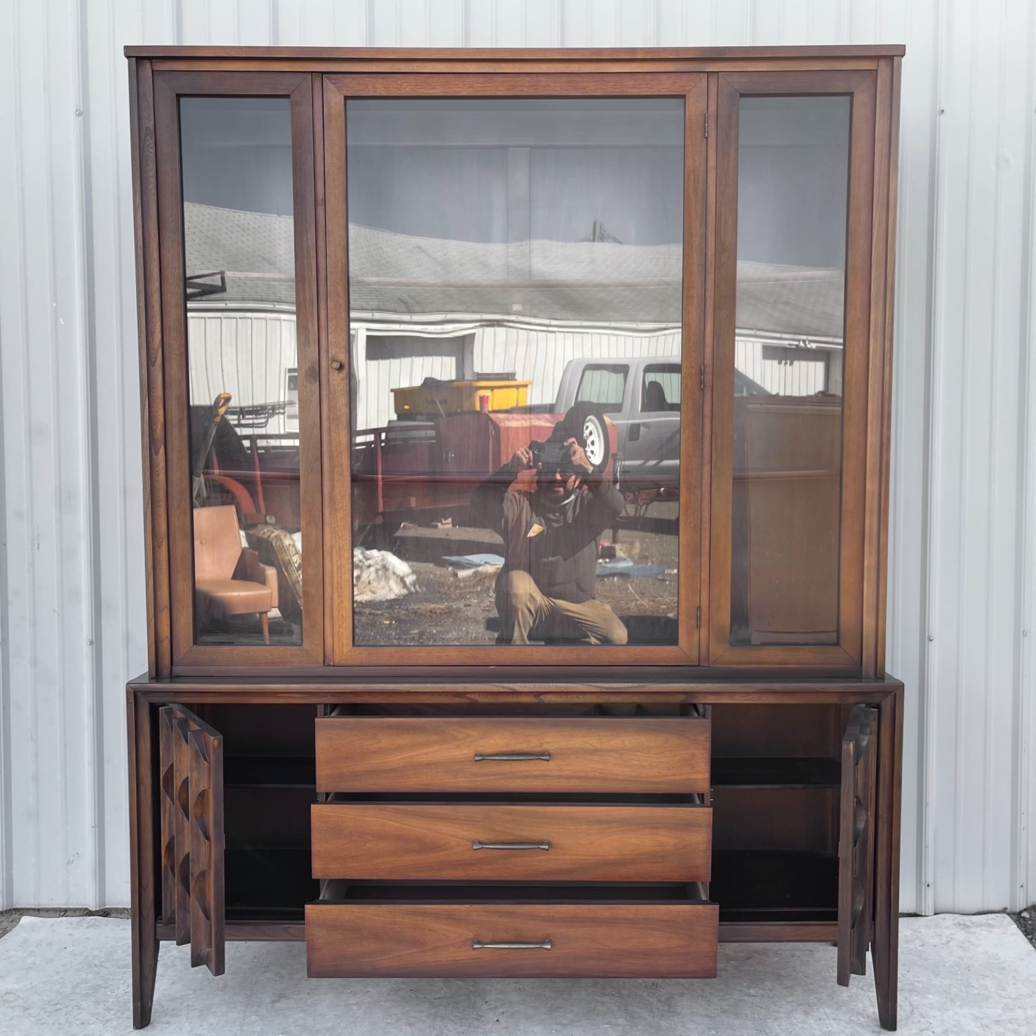 Mid-Century Modern Sideboard With Cabinet - image-2