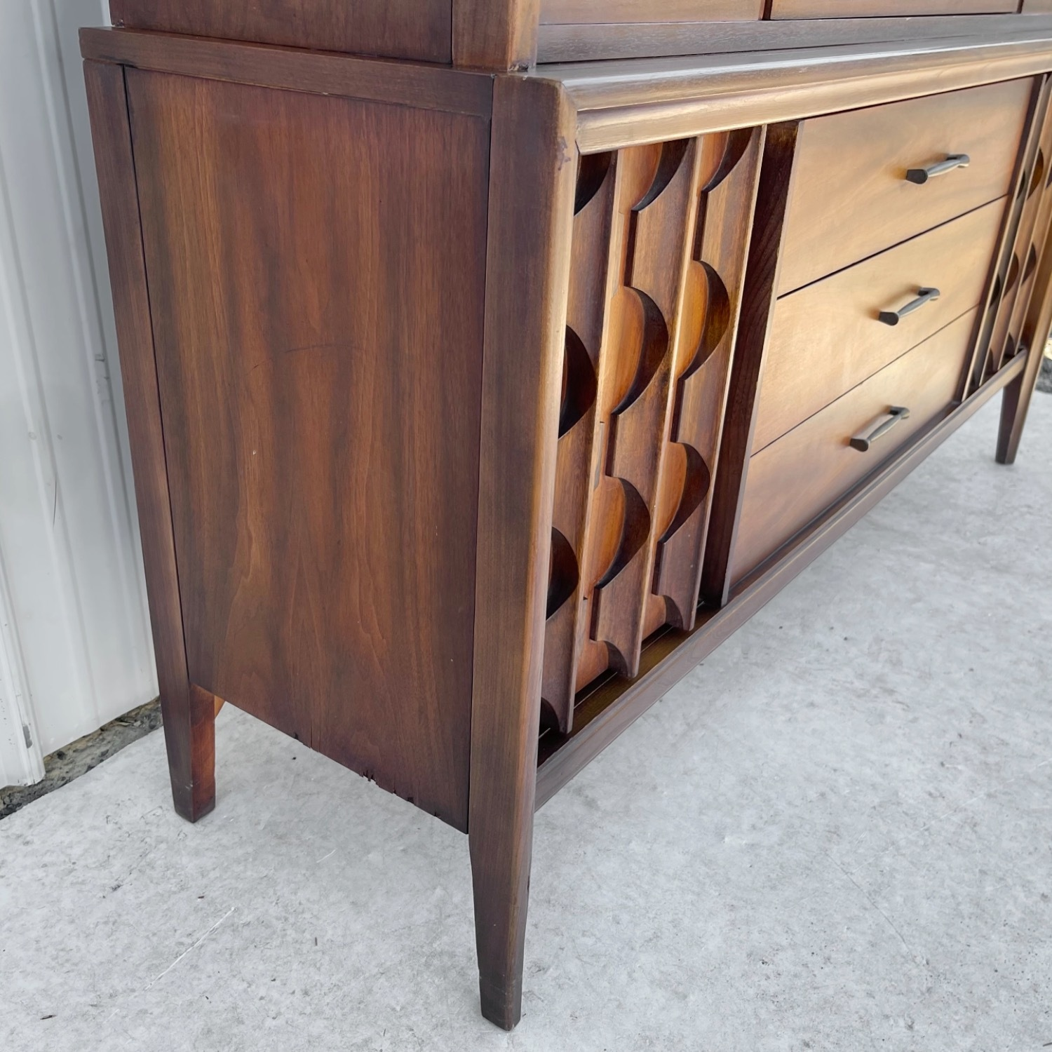 Mid-Century Modern Sideboard With Cabinet - image-5